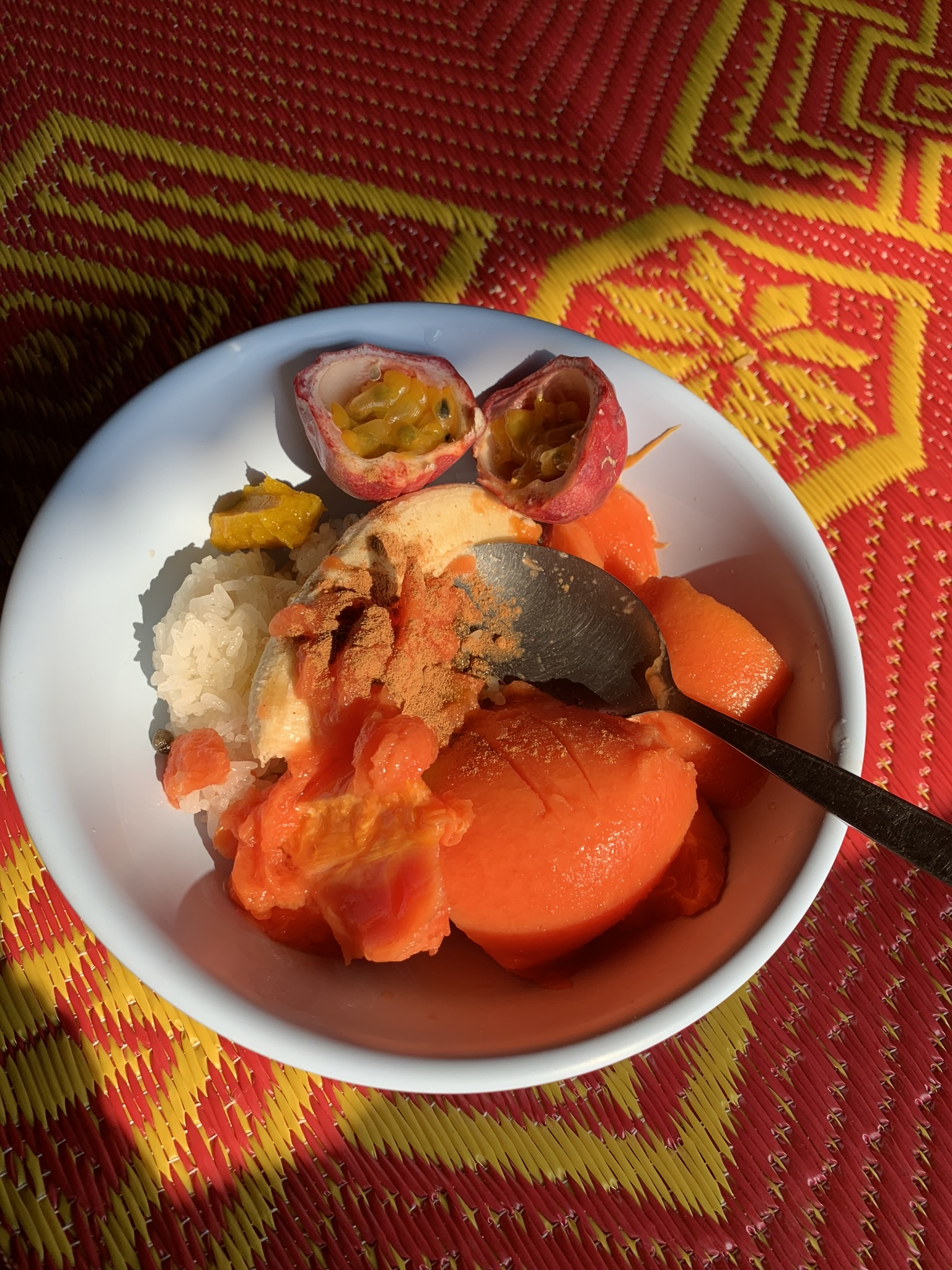 A typical breakfast in the Lahu village - sticky rice topped with fresh papaya, bananas, passion fruit, cinnamon and local honey. Apparently the papaya seeds are good for digestive health (especially after eating so much sticky rice)! They taste like bitter peppercorns.