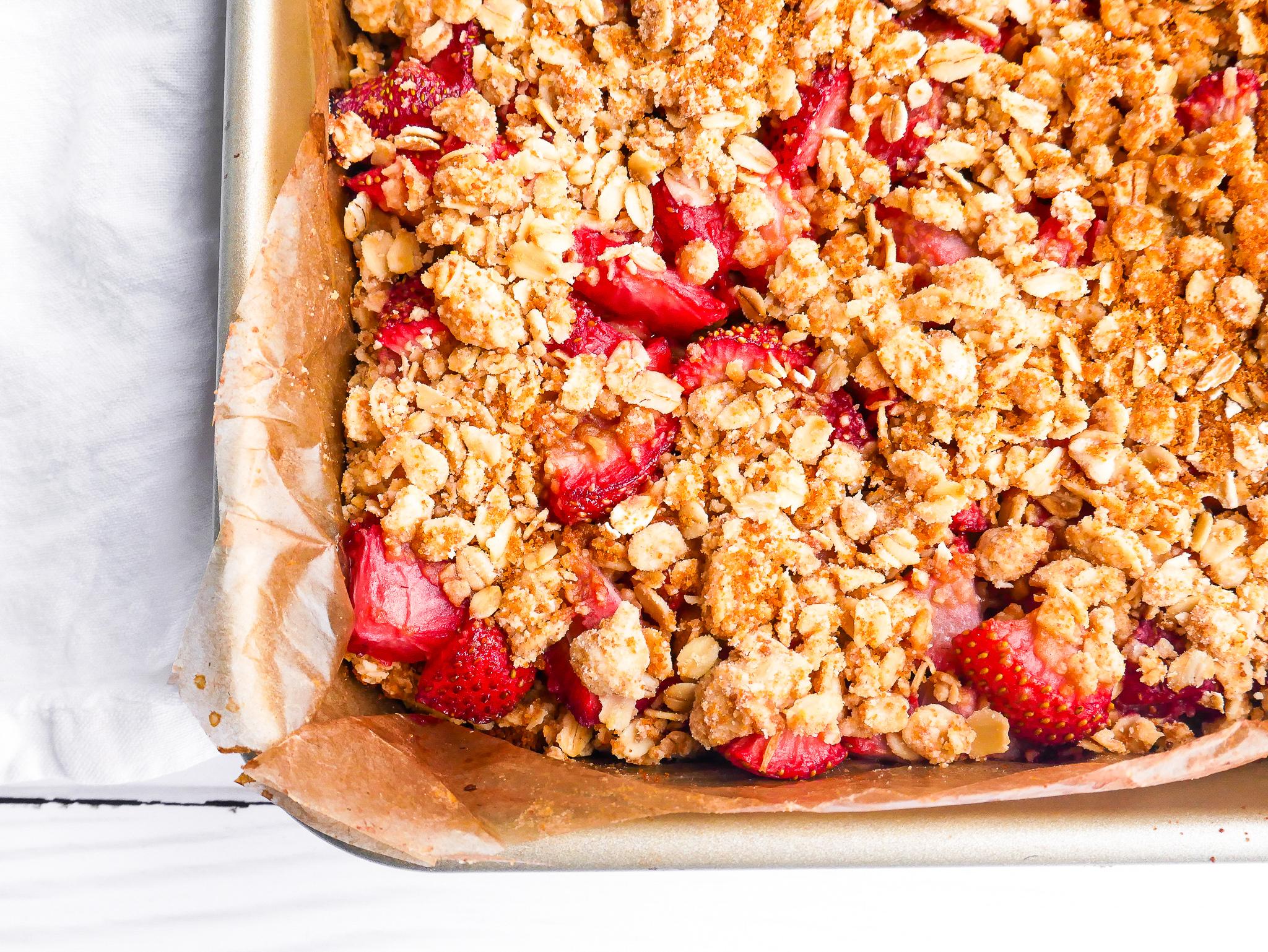 Strawberry Crumble 5-2.jpg
