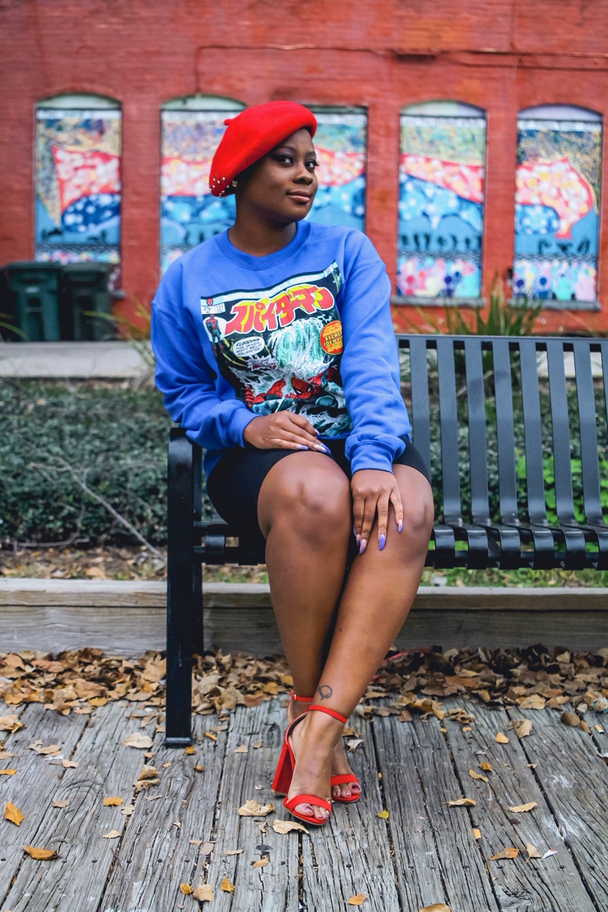 Beret:  It's Fashion Metro   Sweatshirt:  Forever 21   Bicycle Shorts:  It's Fashion Metro   Heels:  Rue 21