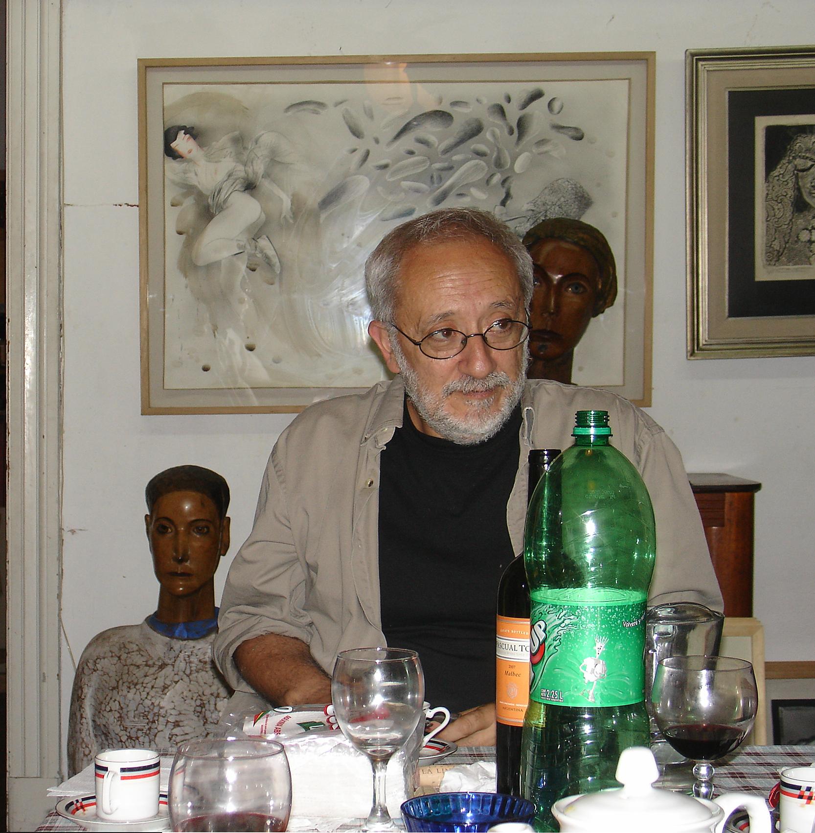 Fati en su estudio de Buenos Aires.jpg