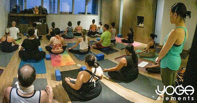 โยคะปลดปลื้งความเครียดจากการทำงาน นำใจกลับมาอยู่กับตัวเอง ละเอียดอ่อนกับลมหายใจ มีความสุขในดวงจิต  Yoga releasing work stress, Come back to yourself, Thoroughly with breath, Happy in your mind.