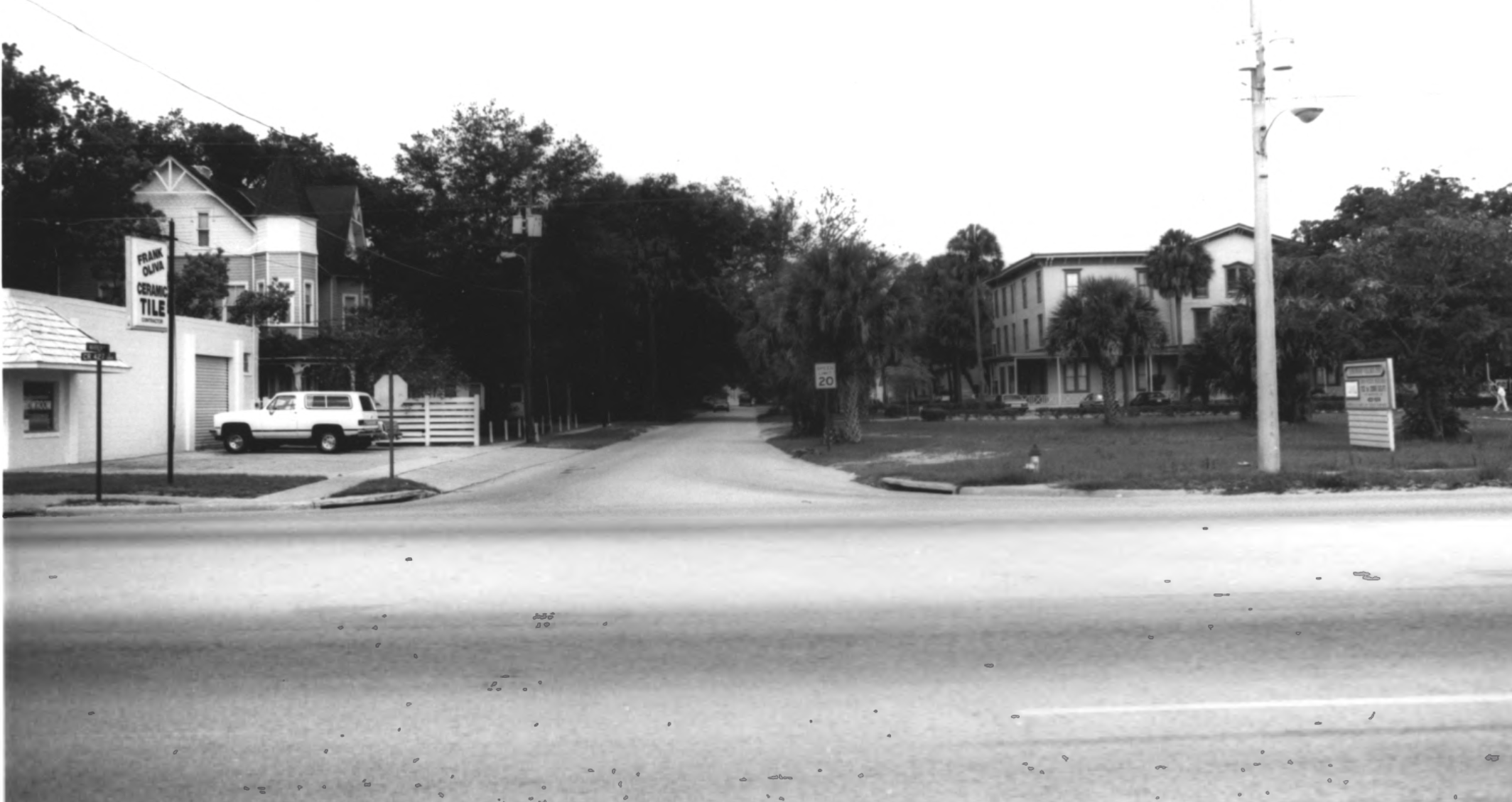 The Bradlee-Mac did not always border 427. Seen here looking across 427 west on Warren, the house is in the background here behind Frank Oliva Ceramic Tile, before the highway was expanded and that retailer was torn down. Photo from 1990 with the Longwood Historic District filing.