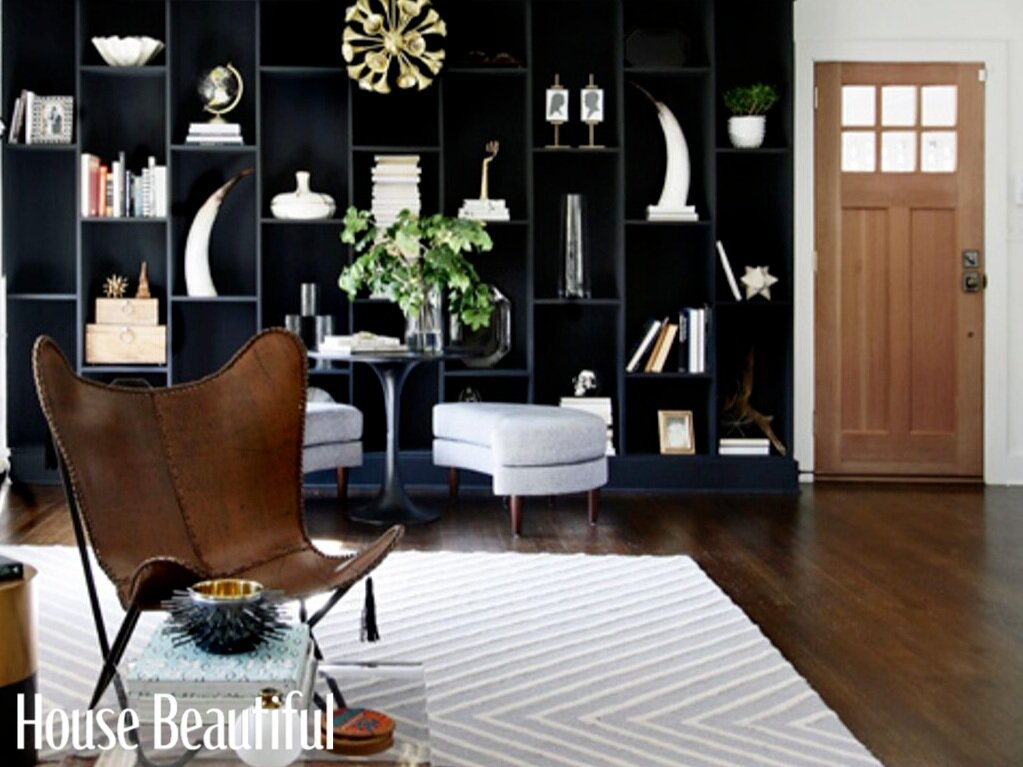 Black Built-in Bookcases Are the Next Big Thing