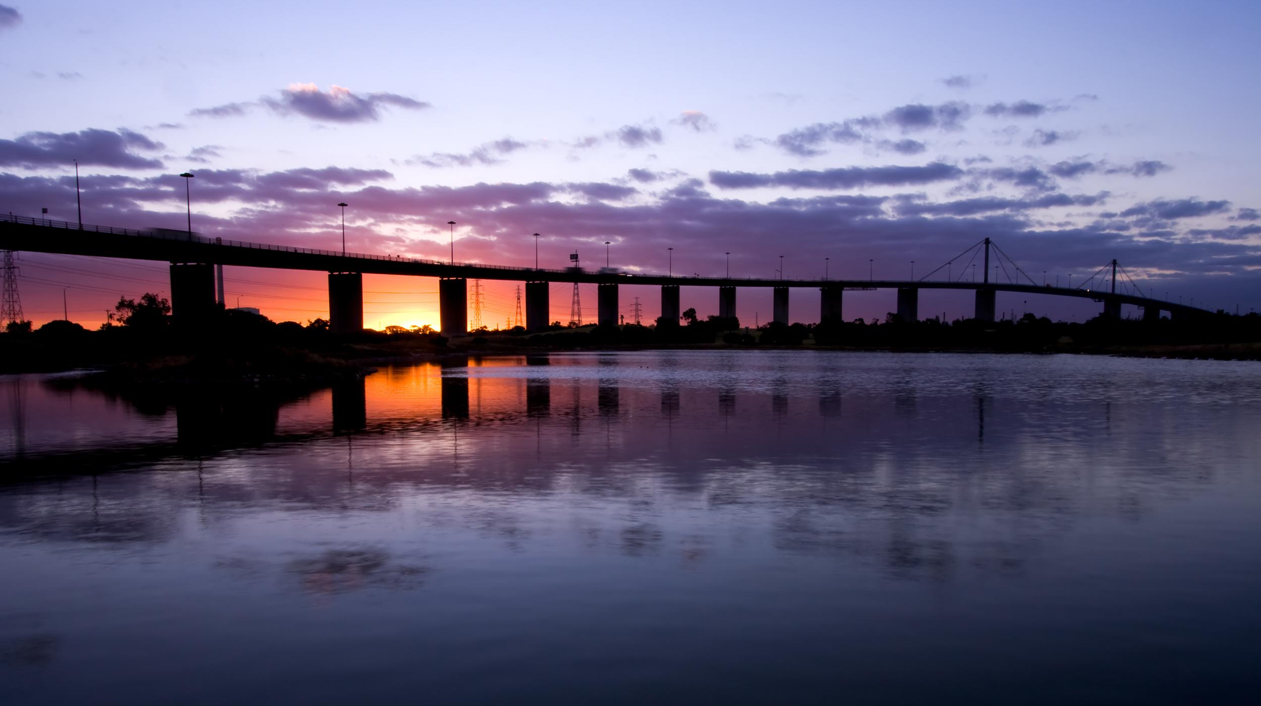 Westgate Bridge.jpg
