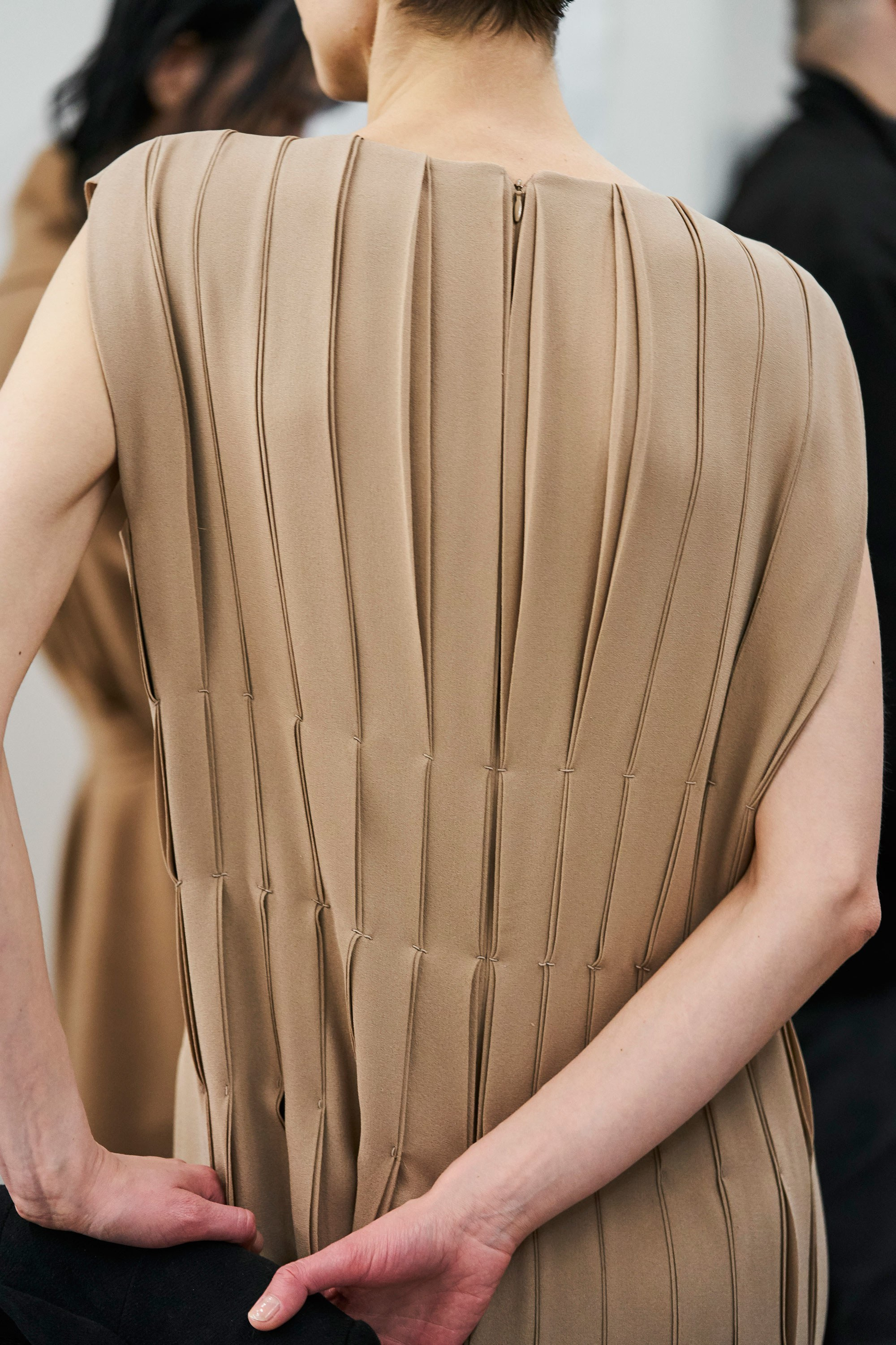 15-the row-fw-18-details.jpg