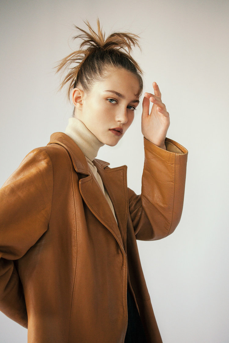 Photographer+Louise+Thornfeldt+presents+Vika+on+Anniversary+Magazine-4.jpg