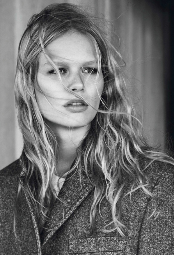 anna-ewers-by-josh-olins-for-vogue-paris-october-2013-7.jpg
