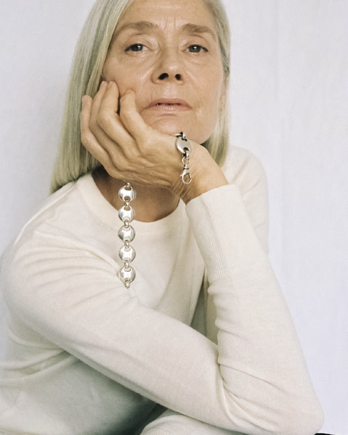 SOPHIE BUHAI 'SS19 ON AXELLE' |  It's wonderful to see jewellery designer Sophie Buhai continue to bring her signature brand of chic to a more inclusive audience. Perhaps the most beautiful campaign shot to date | image via Sophie Buhai, photo Marie Dehe    LINK HERE >>