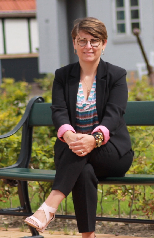 Carina Lykke Bielefeldt - Skoleleder på Nørreskov-Skolen, foredragsholder og underviser inden for pædagogik og pædagogisk udvikling samt tidligere og nuværende konsulent.