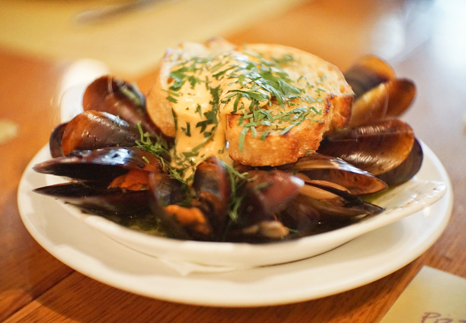 Mussels baked in white wine, served with crispy bread and an amazing salsa Calabrese sauce.