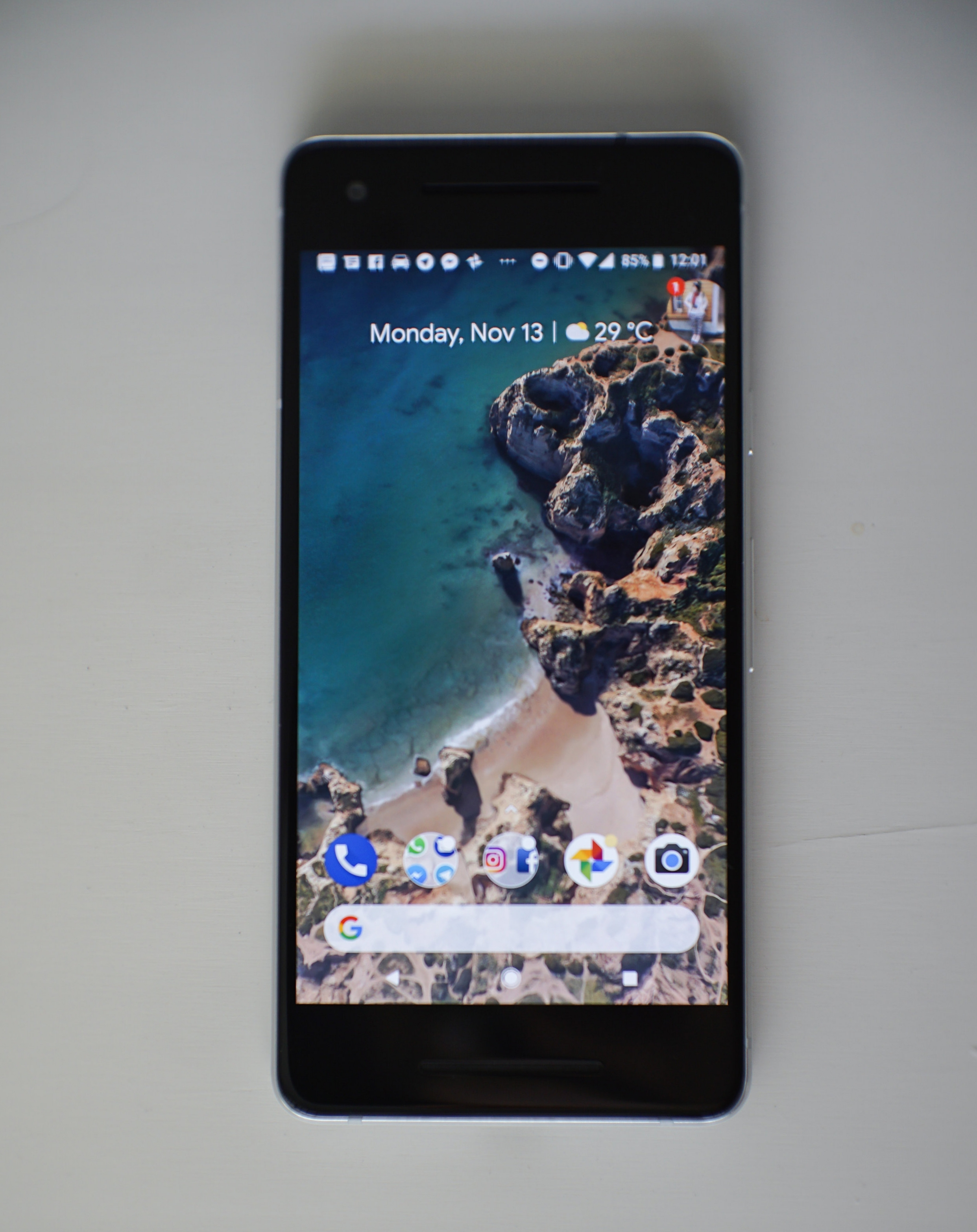 """Yes, the Google Pixel 2 has """"thick"""" bezels. No, it doesn't bother us at all."""