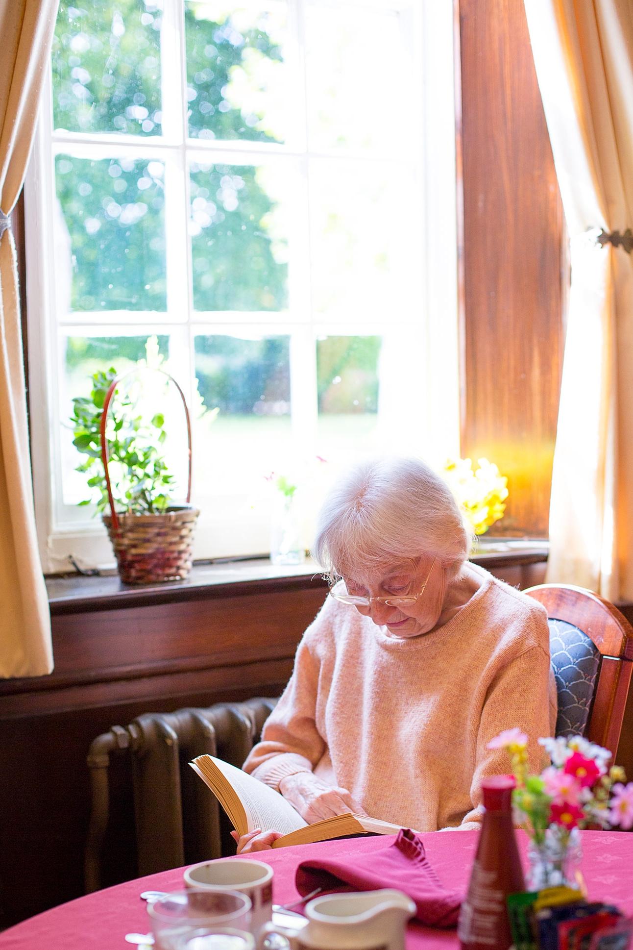 Holywell_Park_Nursing_Home_Sevenoaks_People_001_0434.jpg