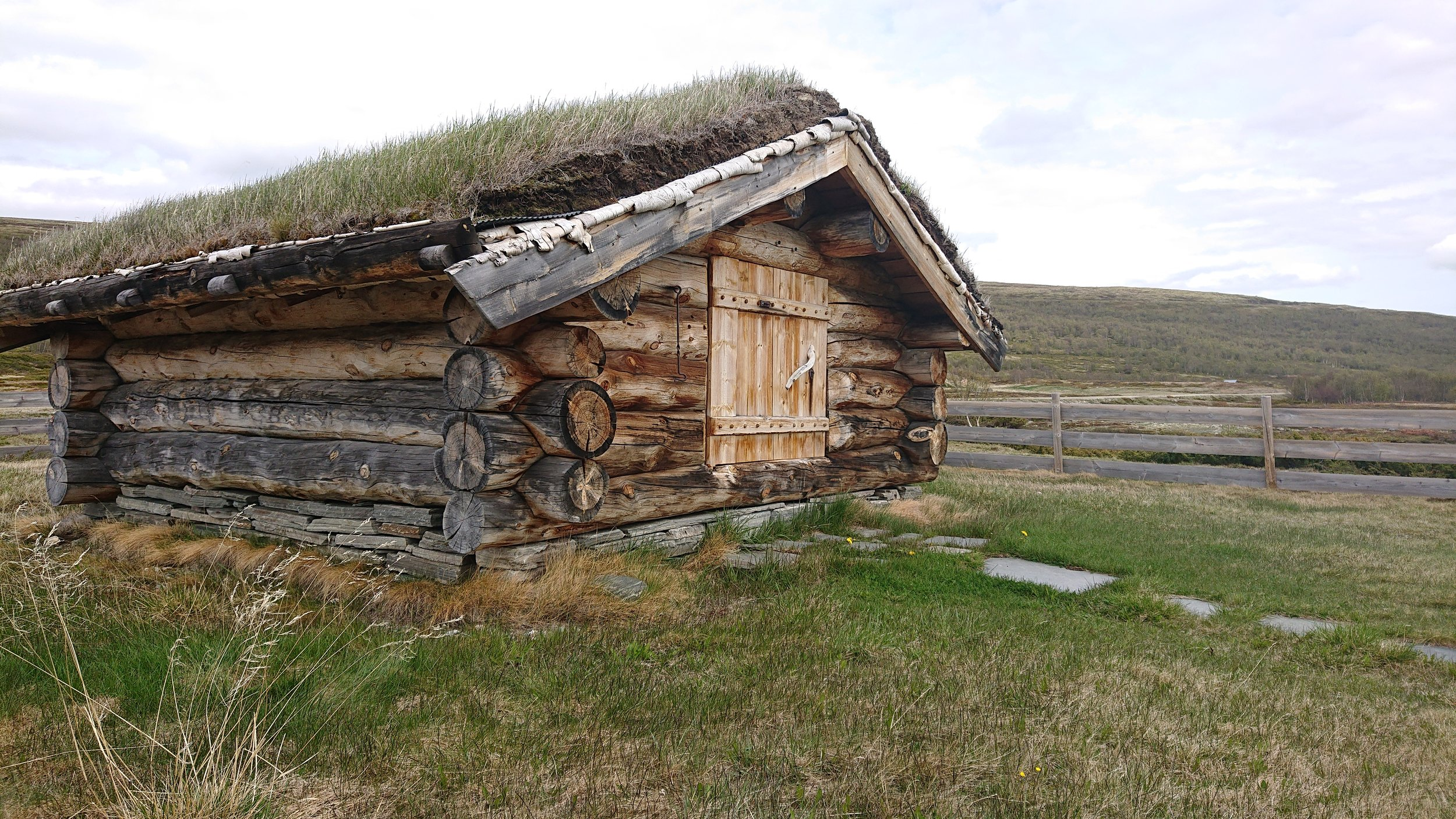 Barthbua Grimsdalen – med informasjon om registreringer og funn etter tidligere tiders fangst og aktivitet i Grimsdalen
