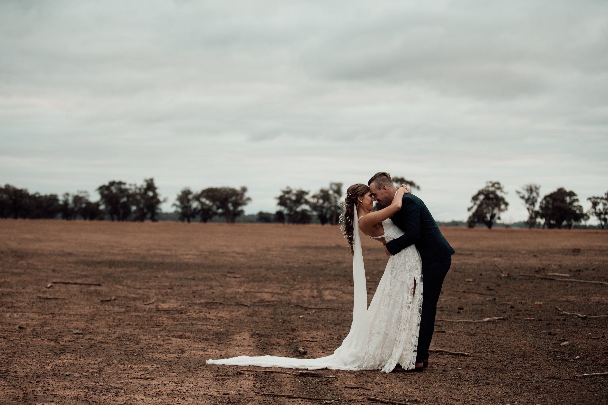 mickalathomas_puremacphotography_weddingphotographer_couplephotographer_Sheppartonphotographer_1467.jpg