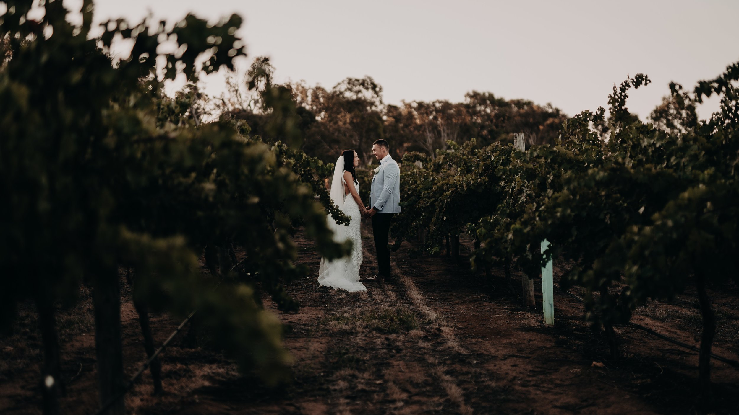 mickalathomas_puremacphotography_weddingphotographer_couplephotographer_Sheppartonphotographer_1476.jpg