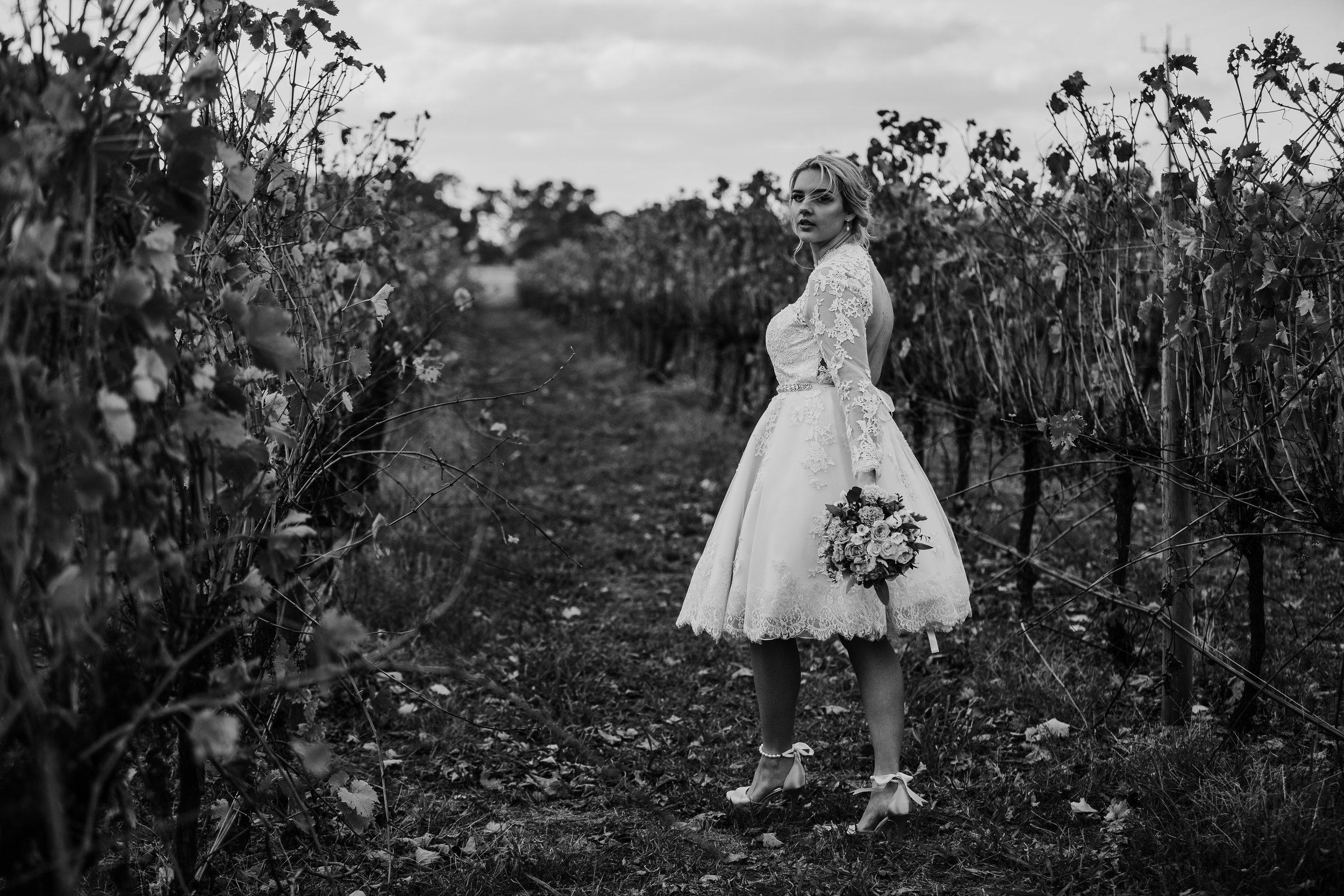 mickalathomas_puremacphotography_weddingphotographer_couplephotographer_Sheppartonphotographer_1487.jpg