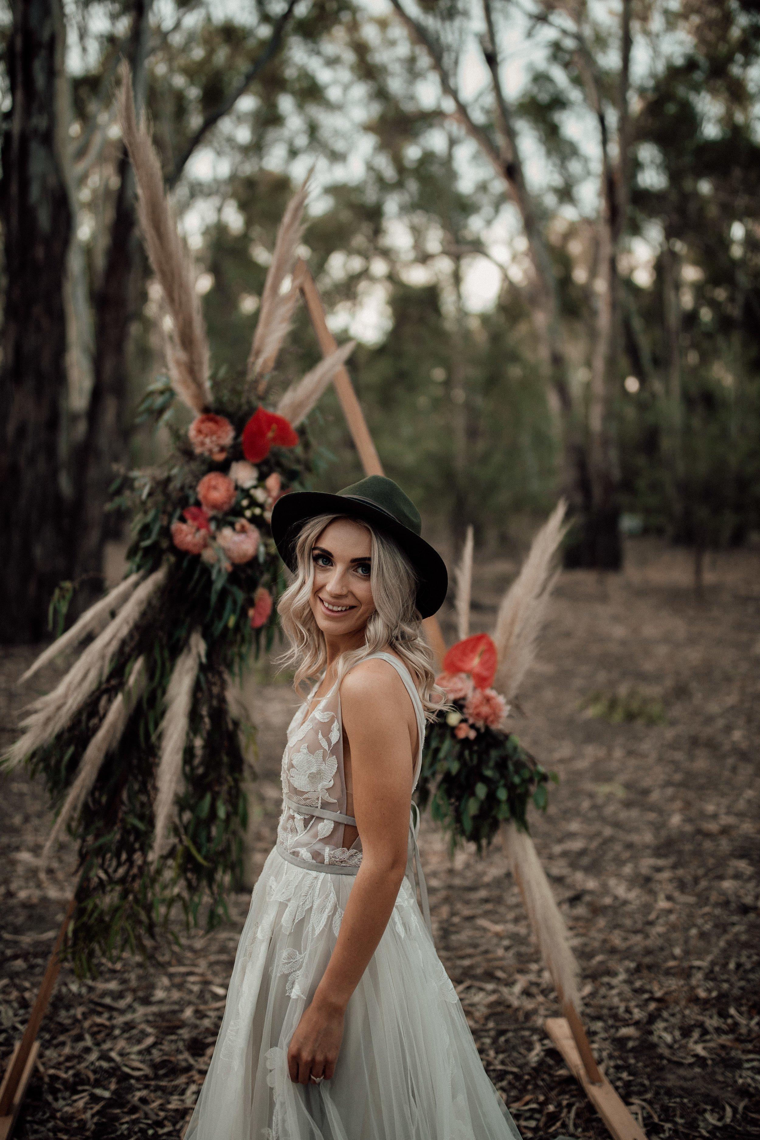 mickalathomas_puremacphotography_weddingphotographer_couplephotographer_Sheppartonphotographer_1501.jpg