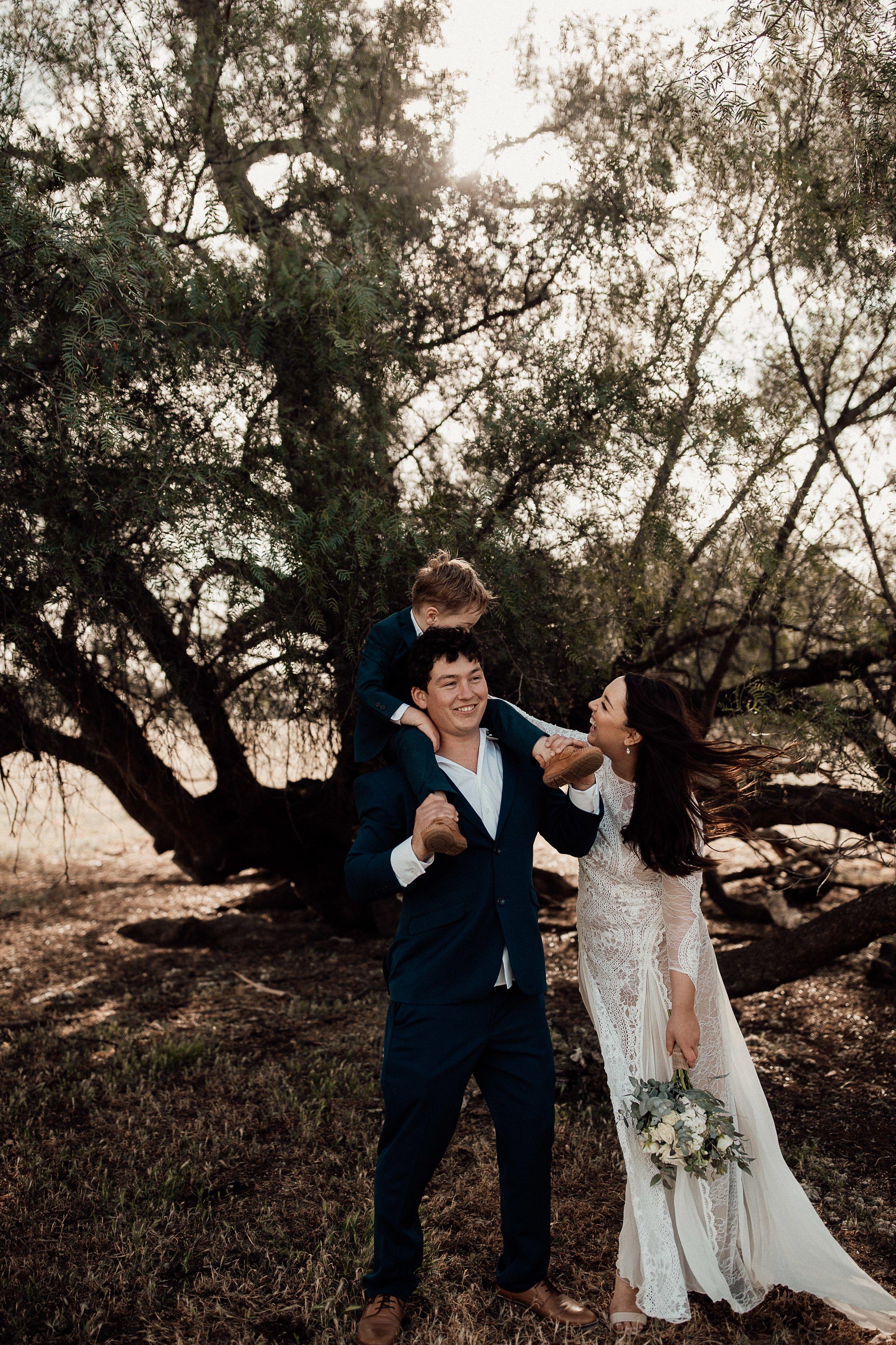 mickalathomas_puremacphotography_weddingphotographer_couplephotographer_Sheppartonphotographer_1510.jpg