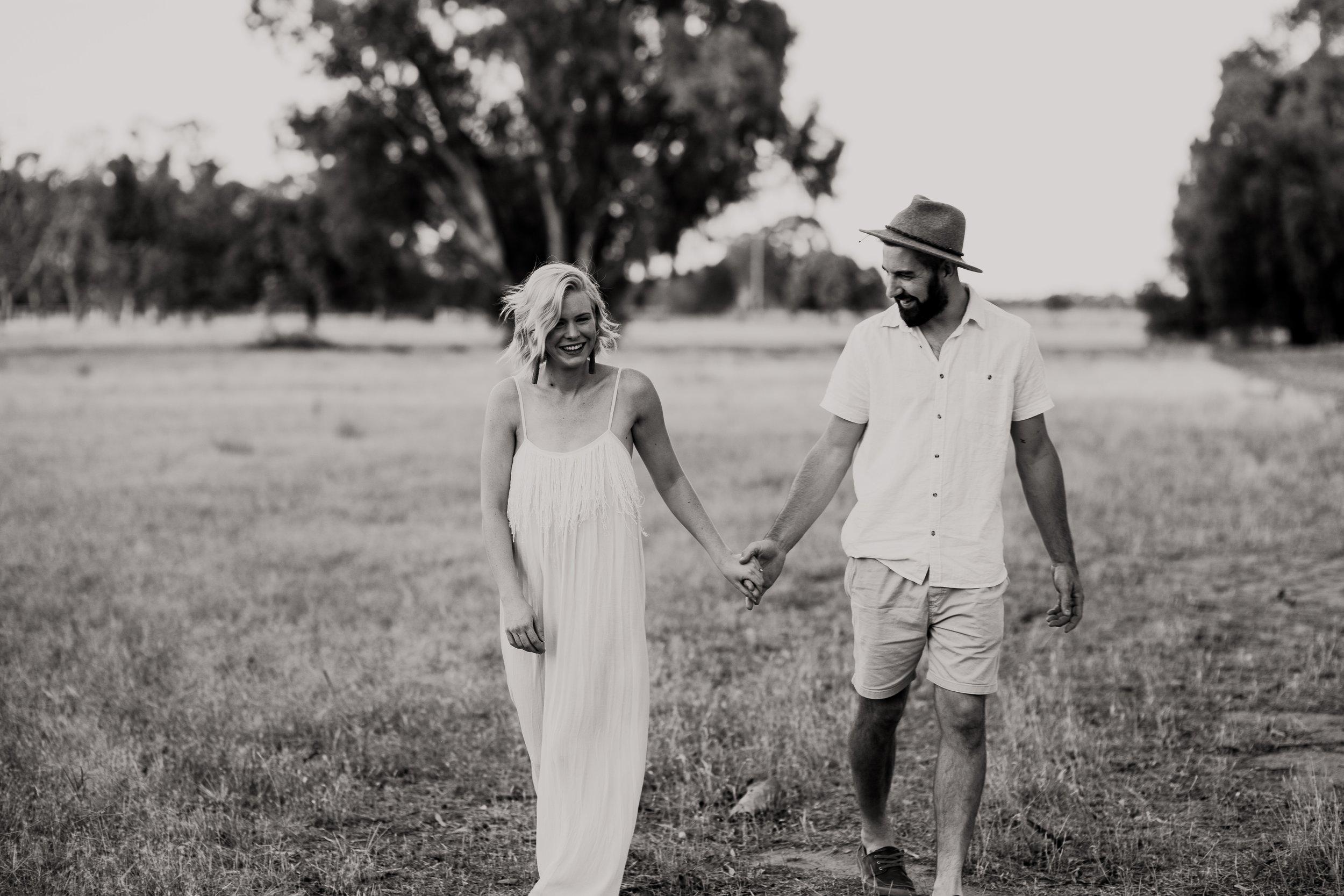 mickalathomas_puremacphotography_weddingphotographer_couplephotographer_Sheppartonphotographer_1635.jpg