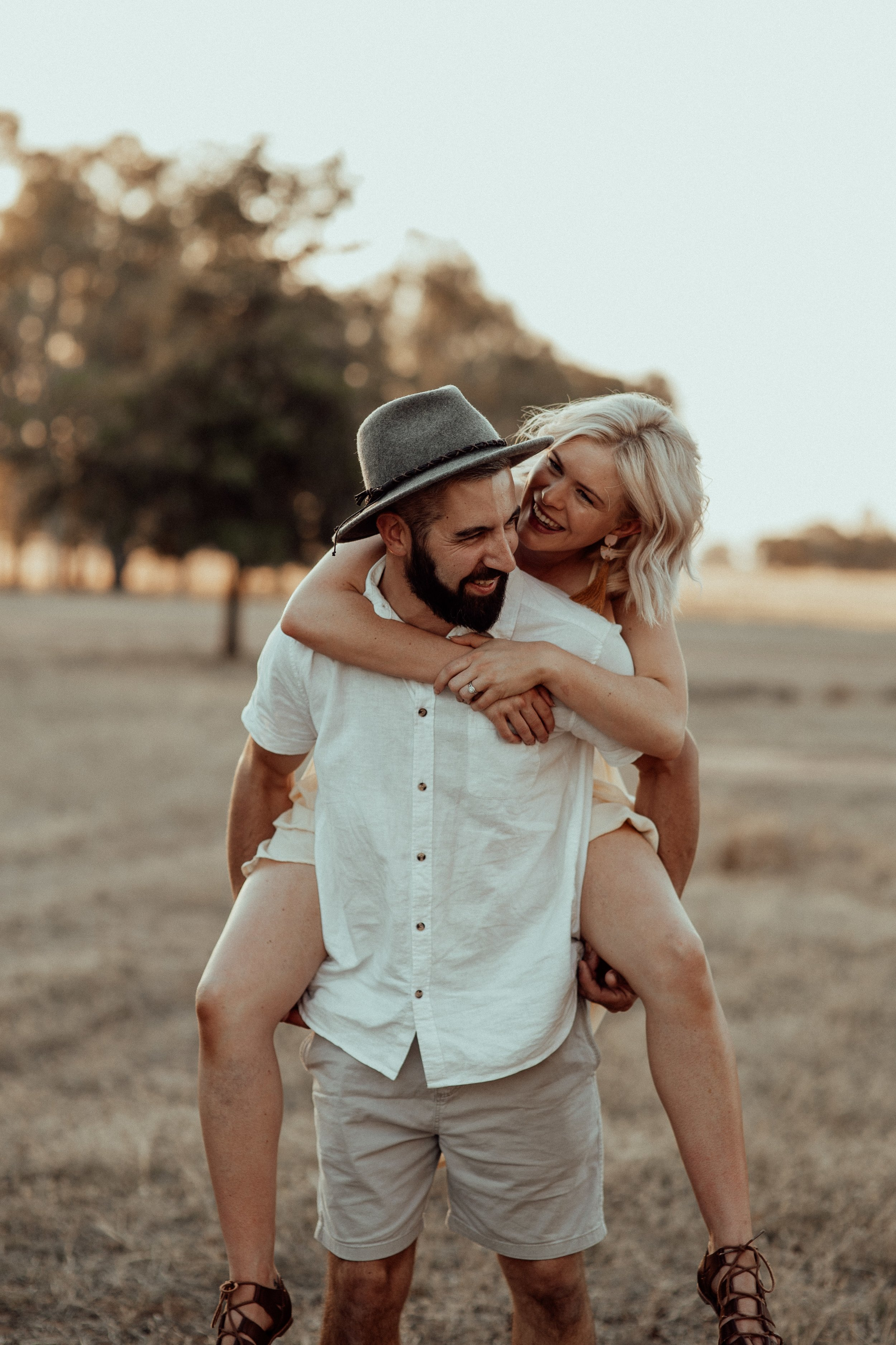 mickalathomas_puremacphotography_weddingphotographer_couplephotographer_Sheppartonphotographer_1636.jpg