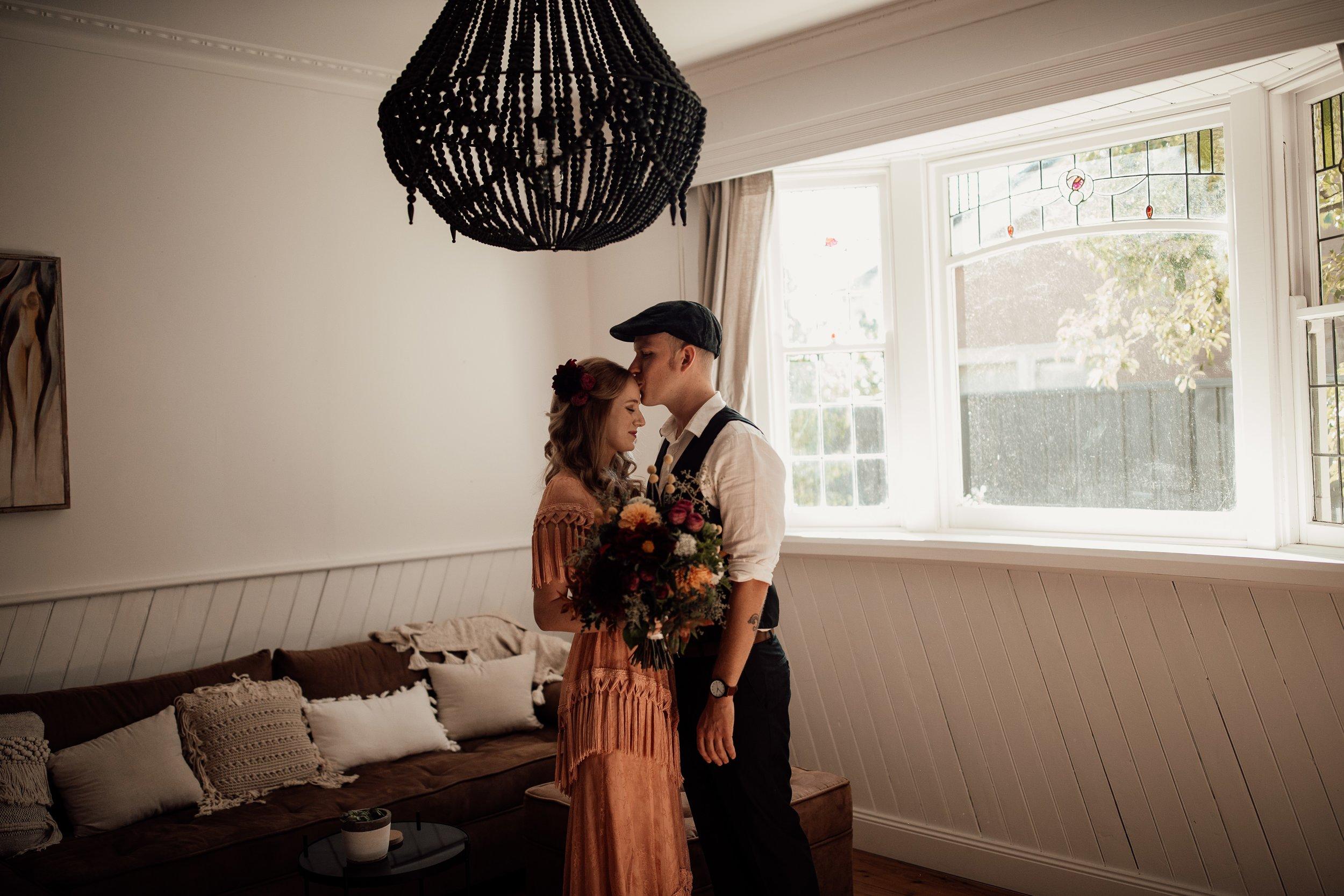 mickalathomas_puremacphotography_weddingphotographer_couplephotographer_Sheppartonphotographer_2108.jpg
