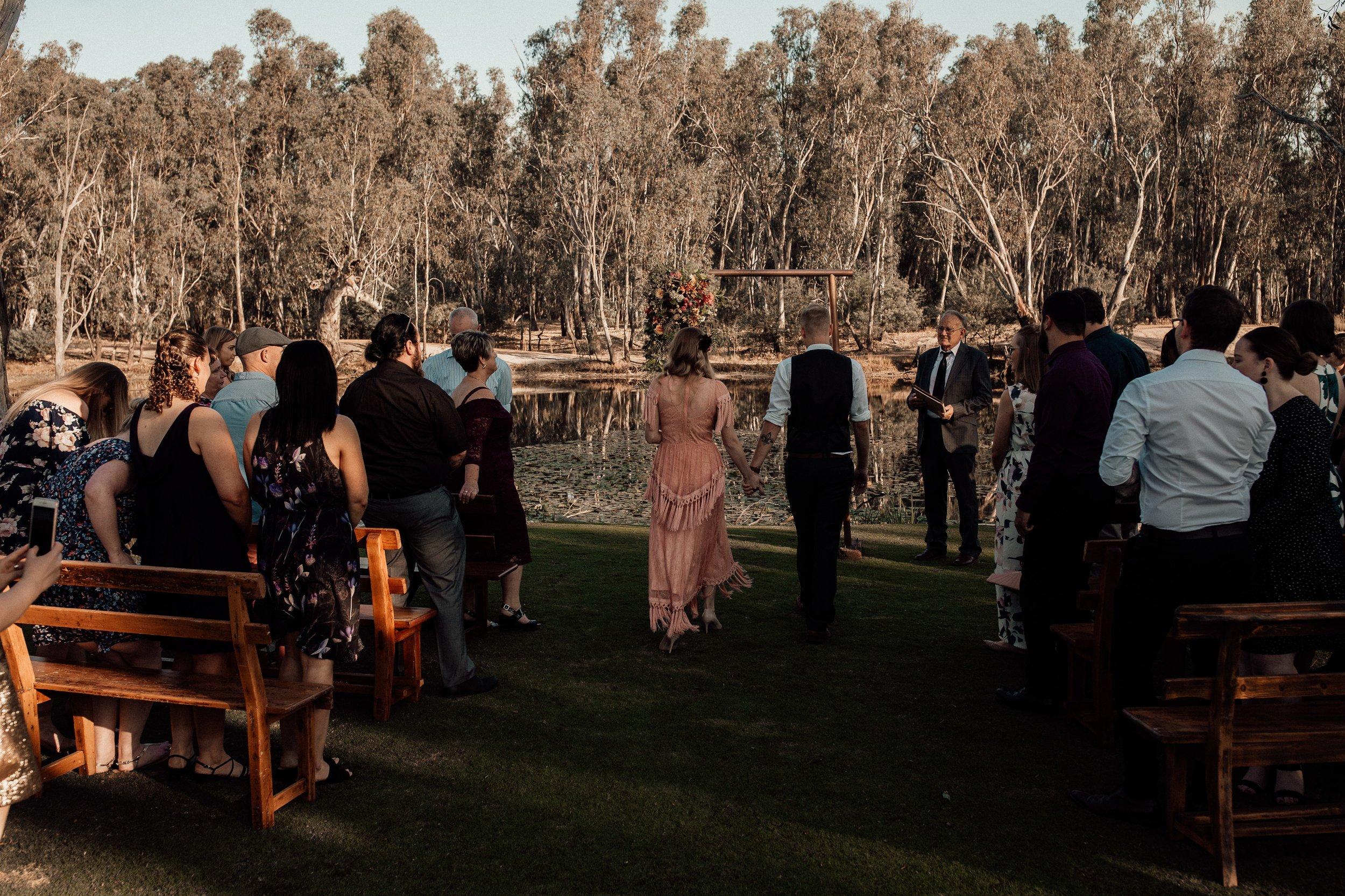 mickalathomas_puremacphotography_weddingphotographer_couplephotographer_Sheppartonphotographer_2064.jpg