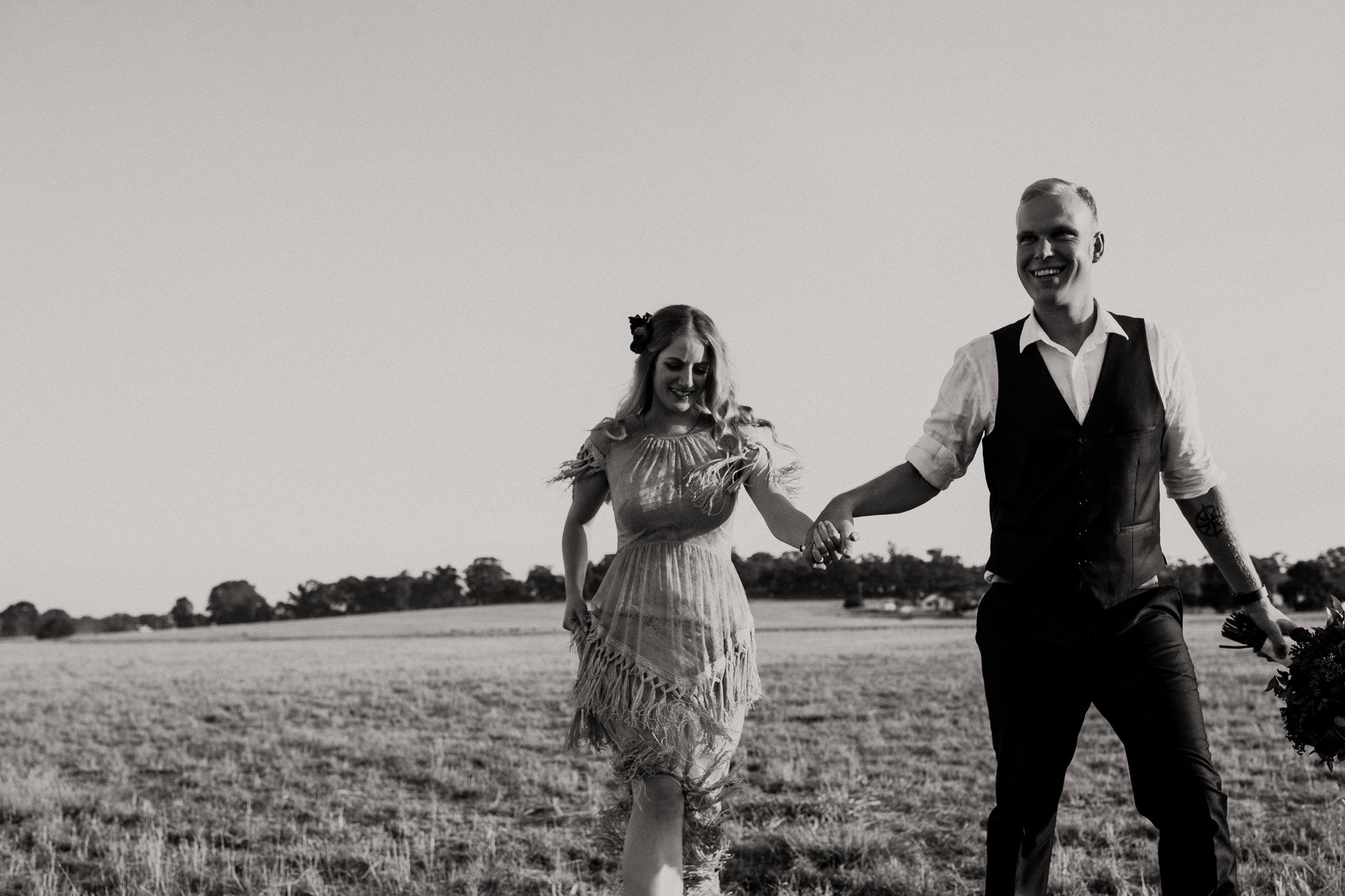 mickalathomas_puremacphotography_weddingphotographer_couplephotographer_Sheppartonphotographer_2145.jpg