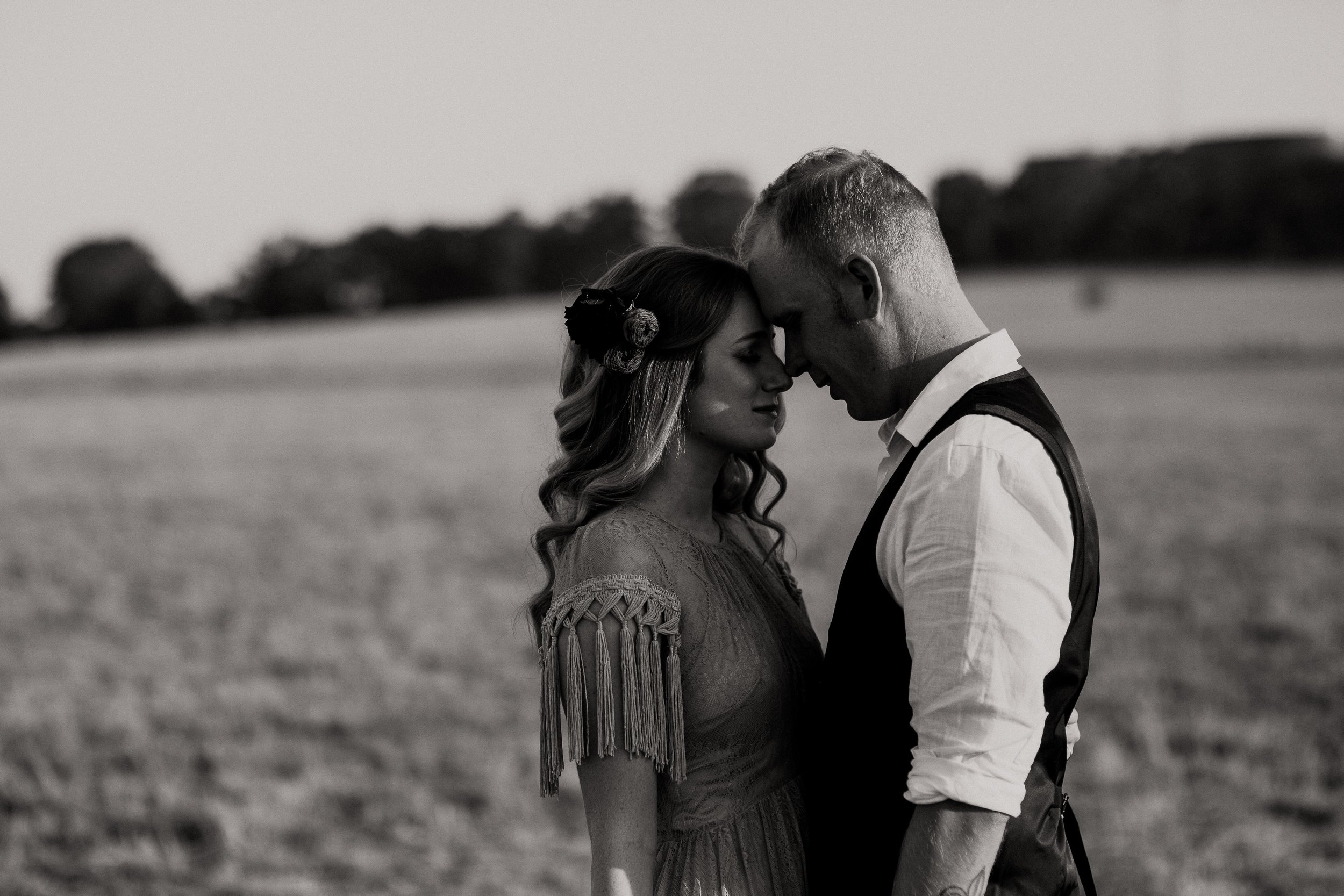 mickalathomas_puremacphotography_weddingphotographer_couplephotographer_Sheppartonphotographer_2147.jpg