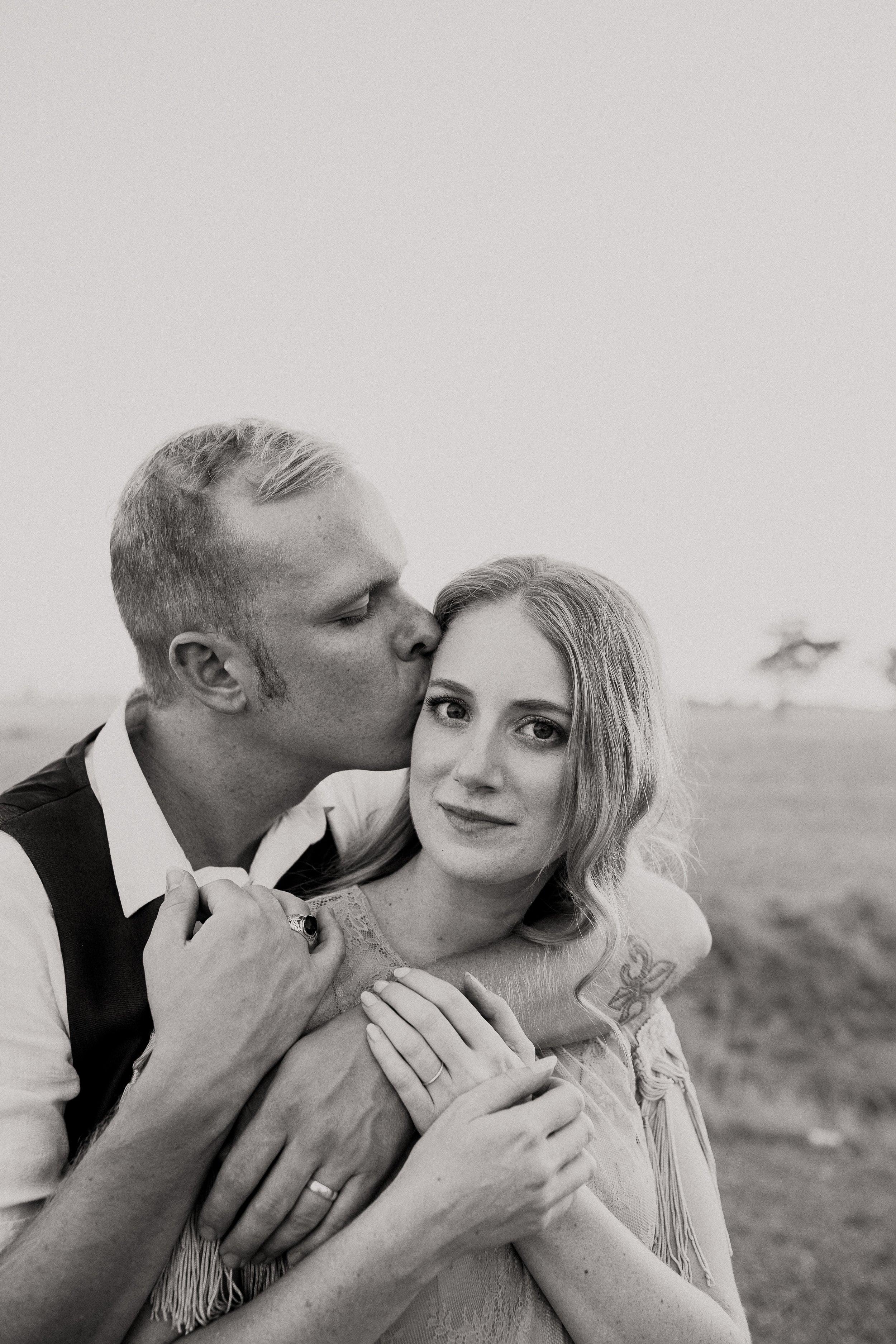 mickalathomas_puremacphotography_weddingphotographer_couplephotographer_Sheppartonphotographer_2153.jpg