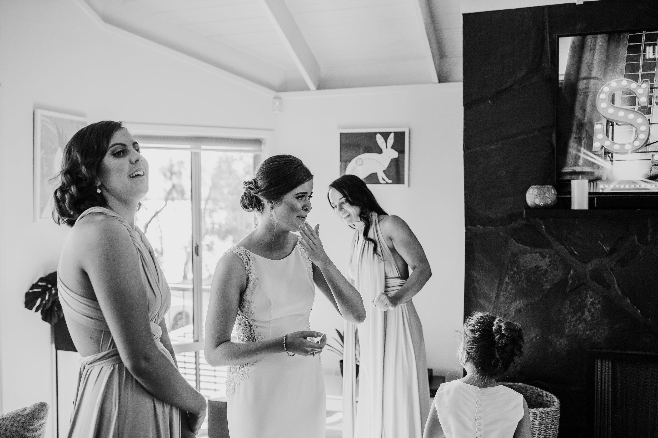mickalathomas_puremacphotography_weddingphotographer_couplephotographer_Sheppartonphotographer_2515.jpg