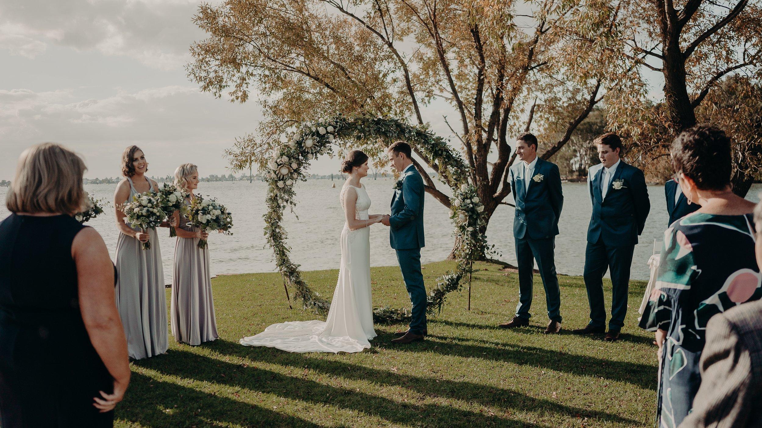 mickalathomas_puremacphotography_weddingphotographer_couplephotographer_Sheppartonphotographer_2536.jpg