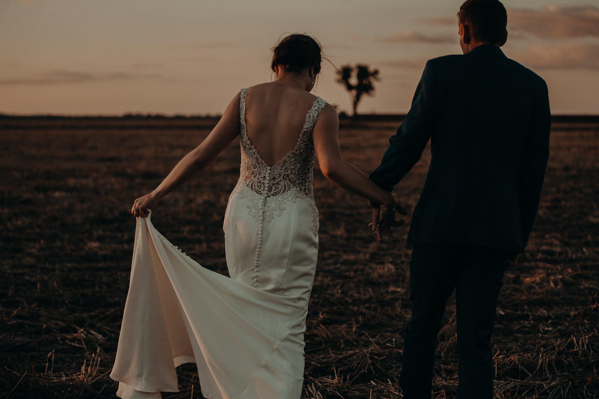 mickalathomas_puremacphotography_weddingphotographer_couplephotographer_Sheppartonphotographer_2571.jpg