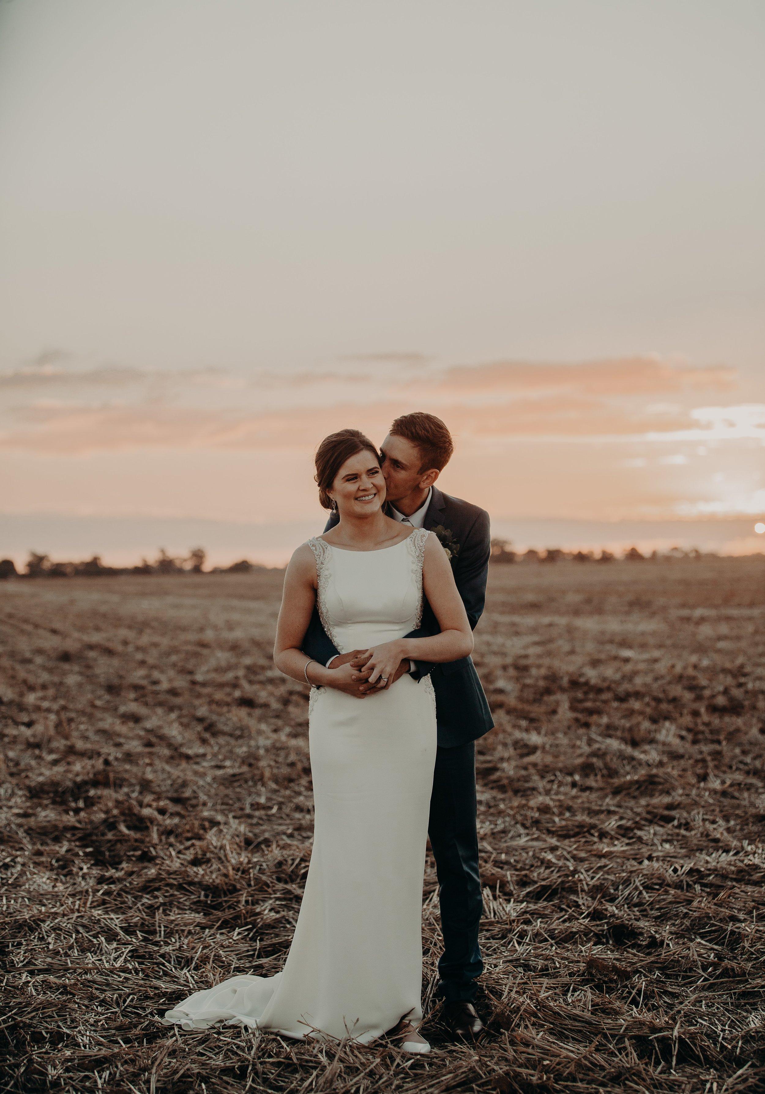 mickalathomas_puremacphotography_weddingphotographer_couplephotographer_Sheppartonphotographer_2574.jpg