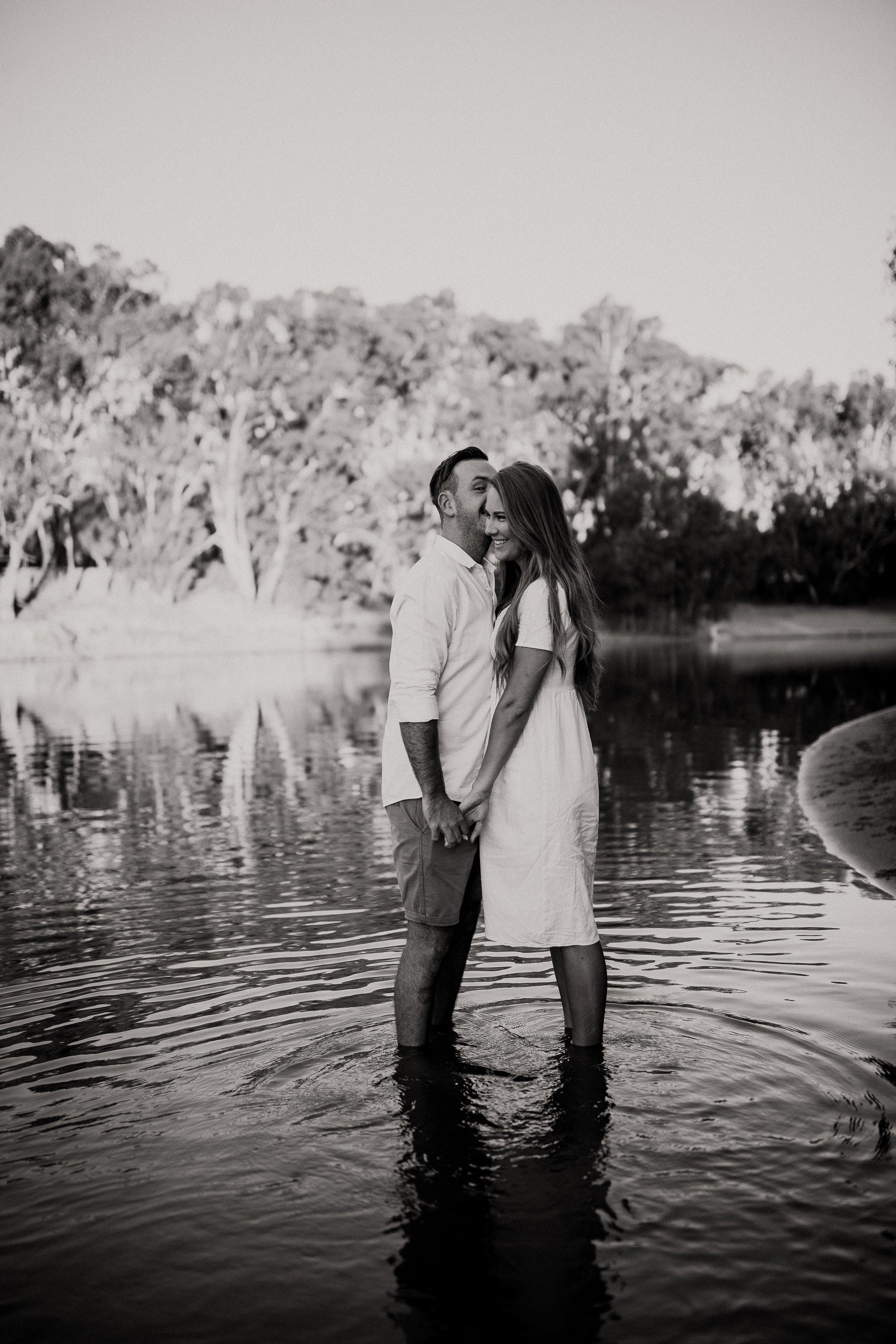 mickalathomas_puremacphotography_weddingphotographer_couplephotographer_Sheppartonphotographer_2829.jpg