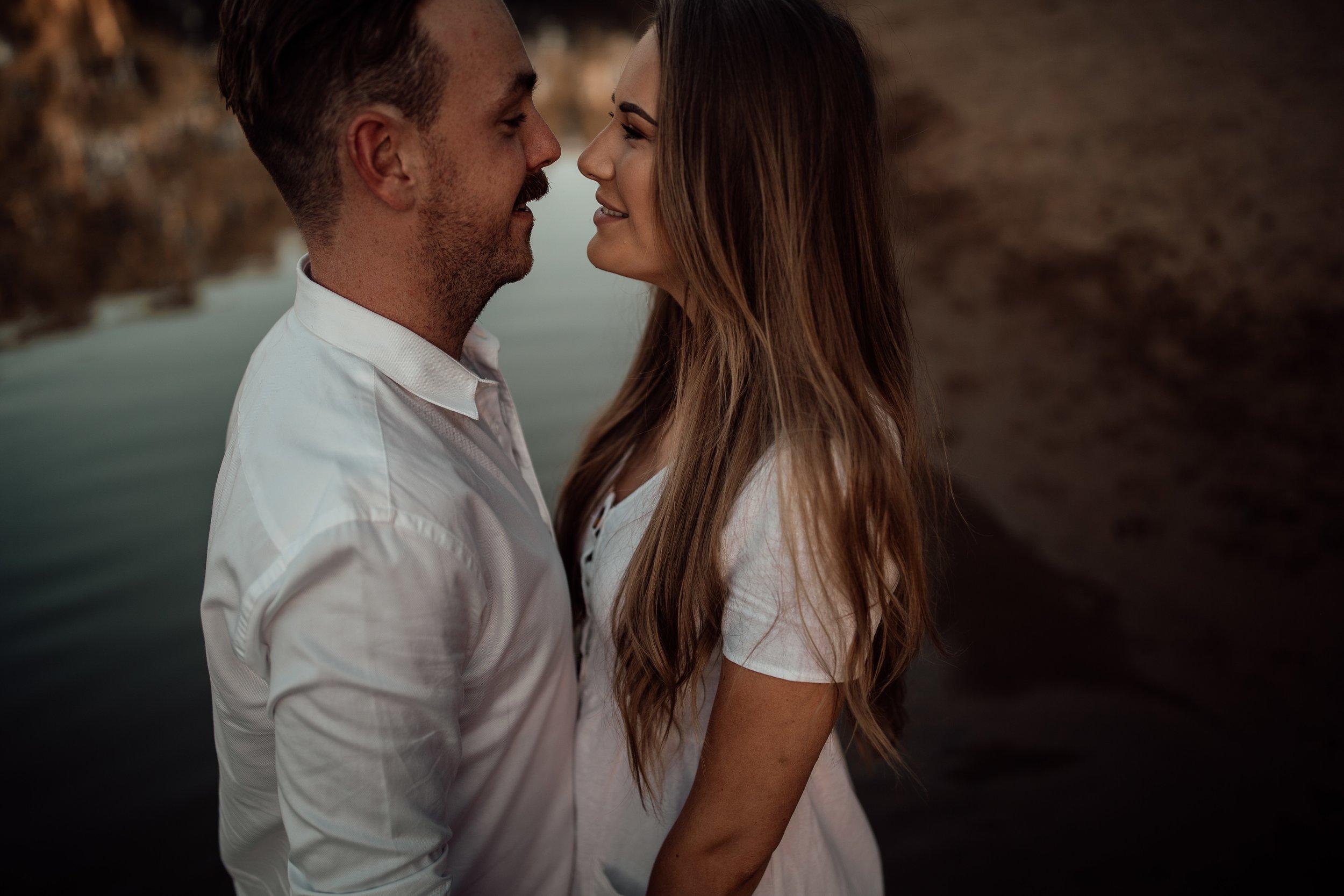 mickalathomas_puremacphotography_weddingphotographer_couplephotographer_Sheppartonphotographer_2830.jpg