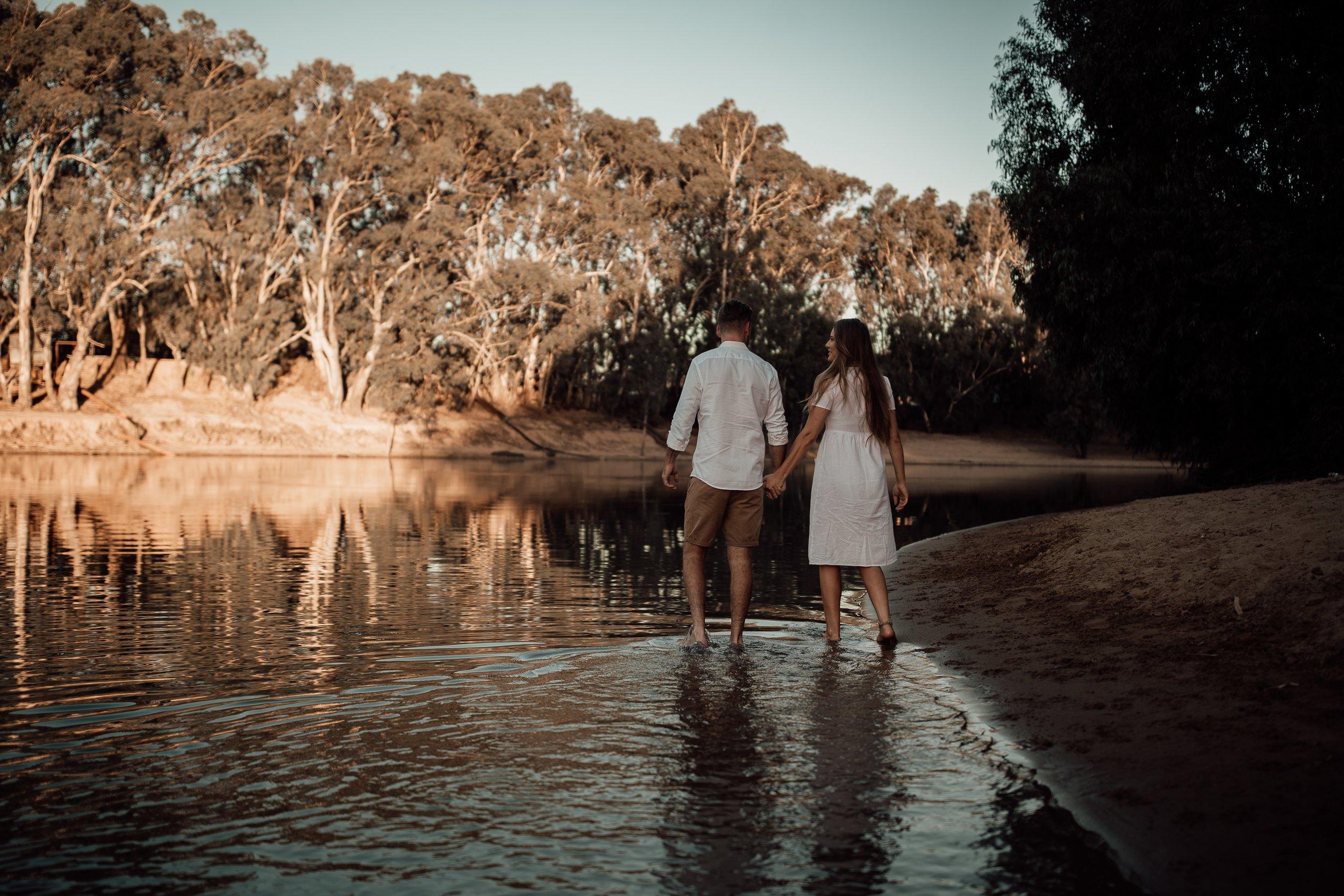 mickalathomas_puremacphotography_weddingphotographer_couplephotographer_Sheppartonphotographer_2833.jpg