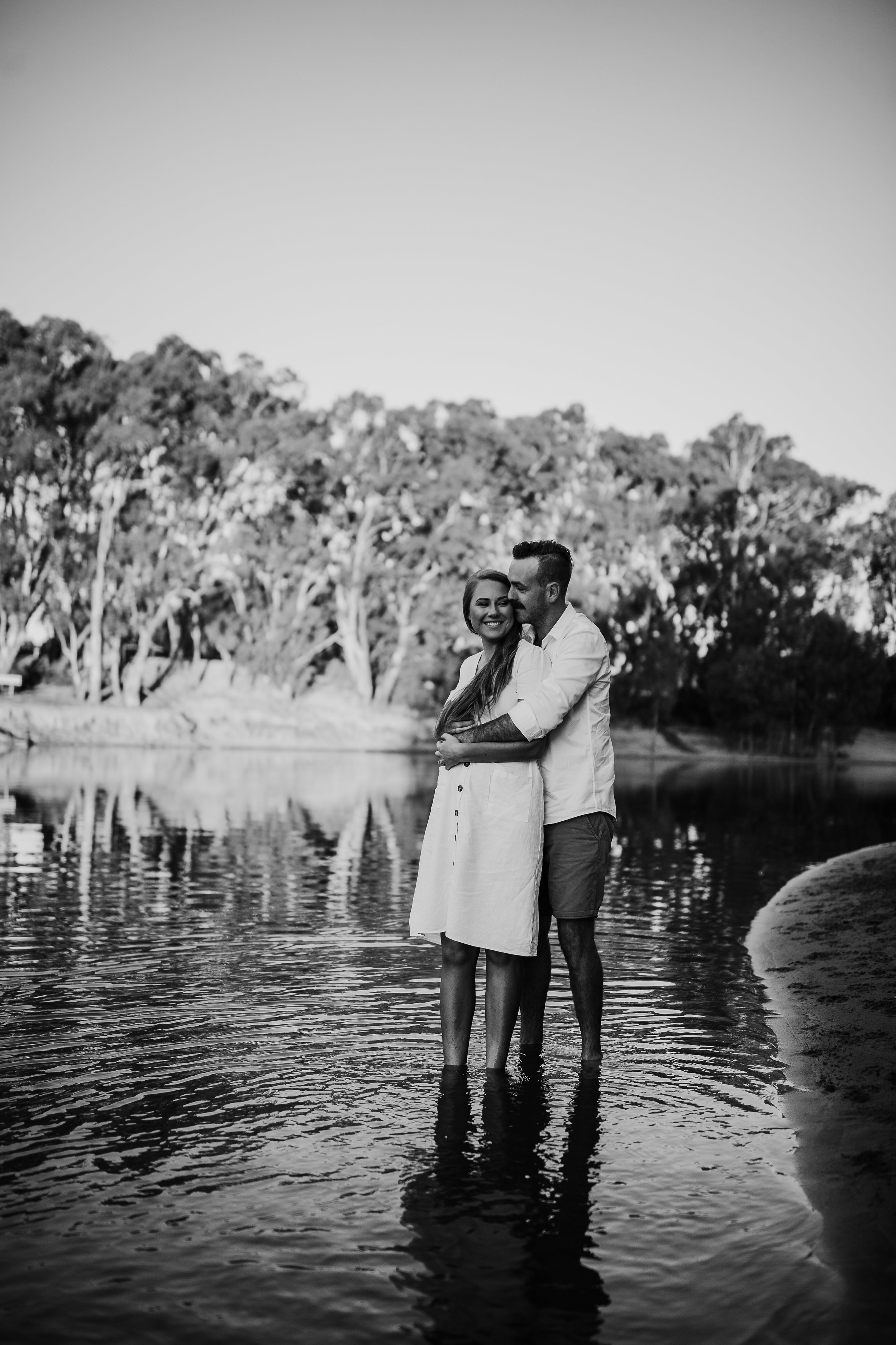 mickalathomas_puremacphotography_weddingphotographer_couplephotographer_Sheppartonphotographer_2839.jpg