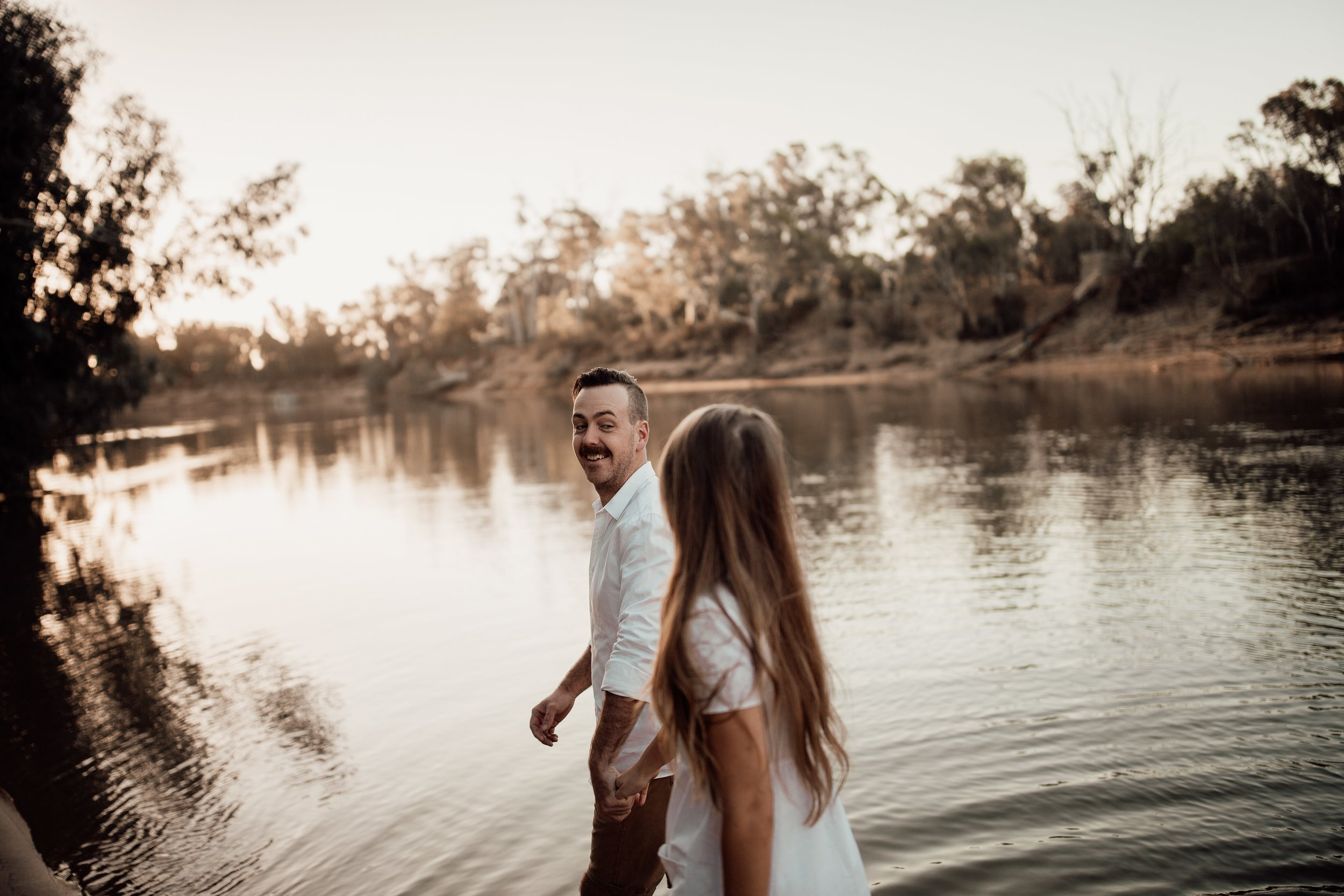 mickalathomas_puremacphotography_weddingphotographer_couplephotographer_Sheppartonphotographer_2848.jpg