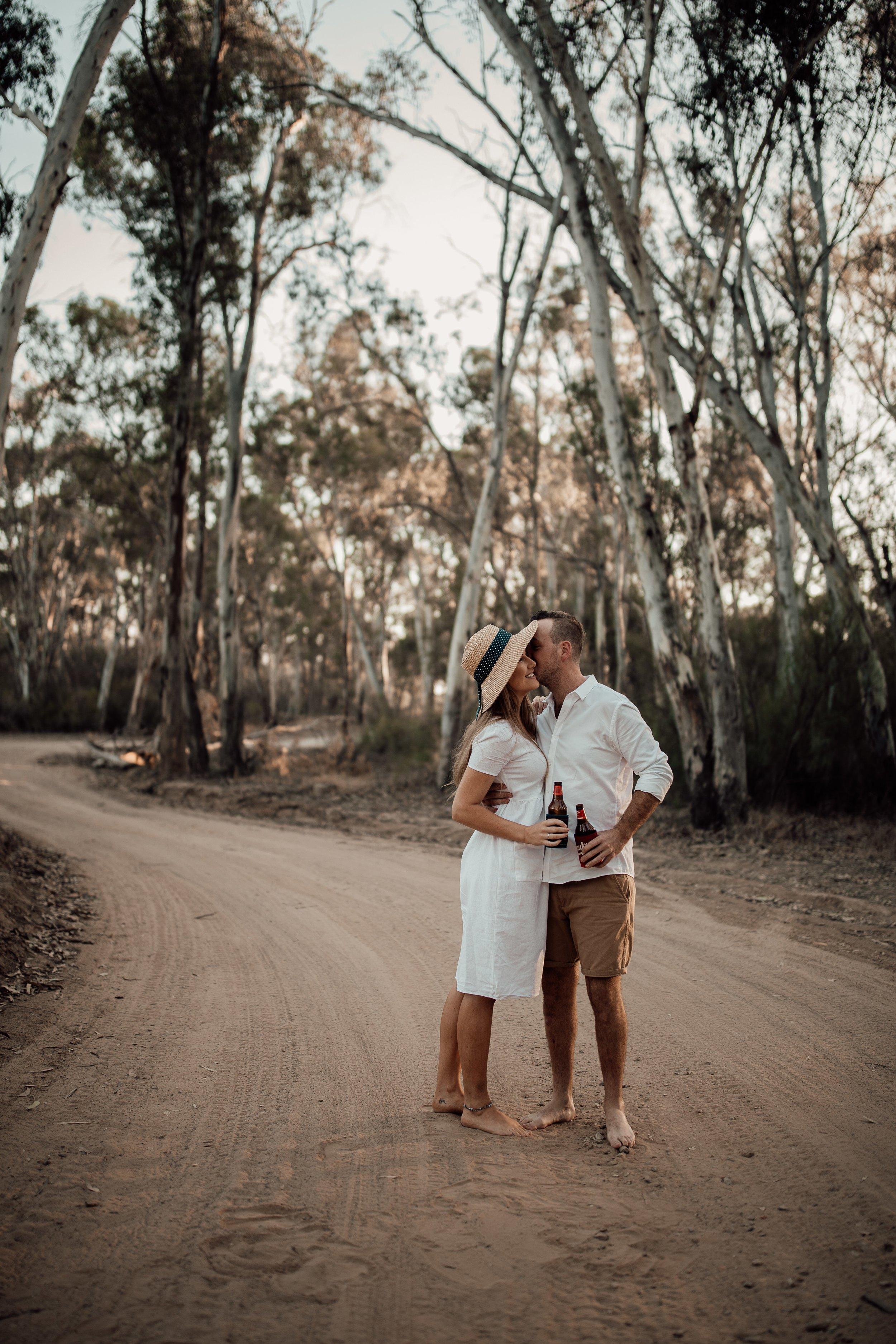 mickalathomas_puremacphotography_weddingphotographer_couplephotographer_Sheppartonphotographer_2860.jpg