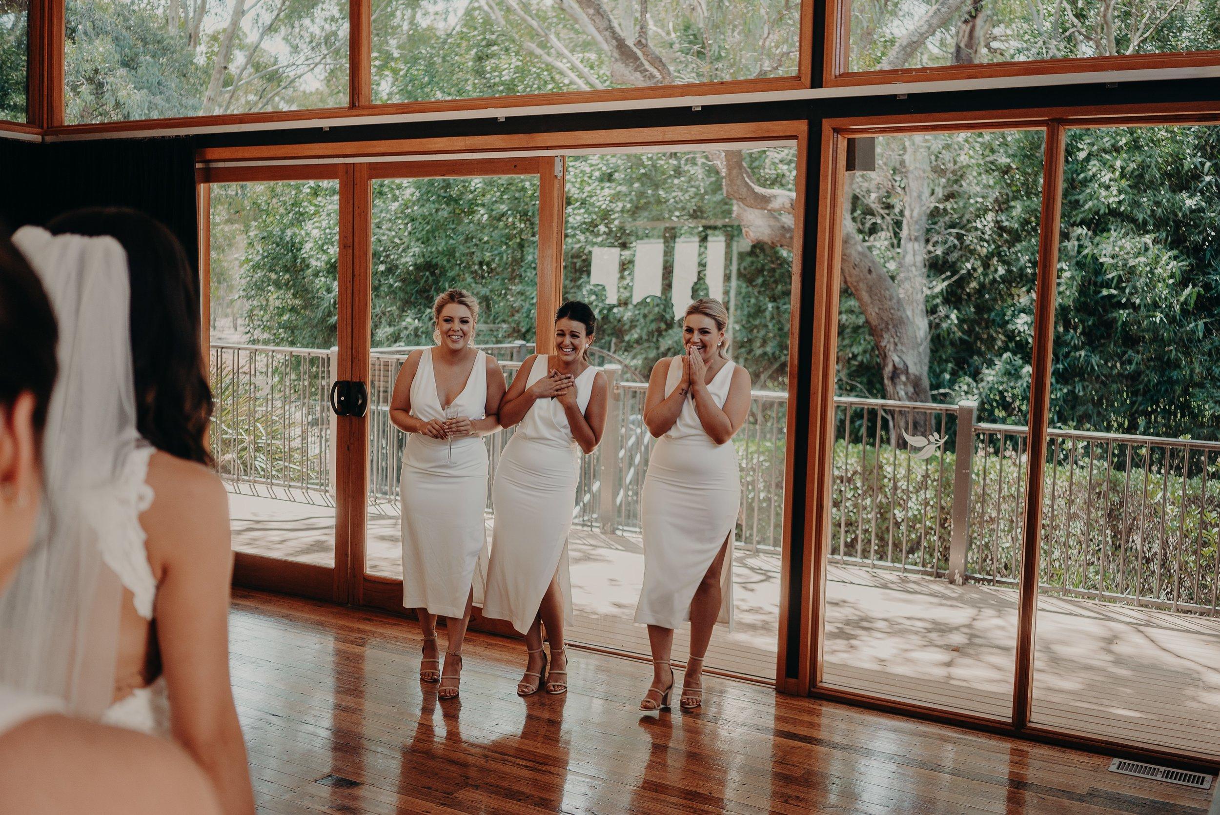 mickalathomas_puremacphotography_weddingphotographer_couplephotographer_Sheppartonphotographer_2704.jpg