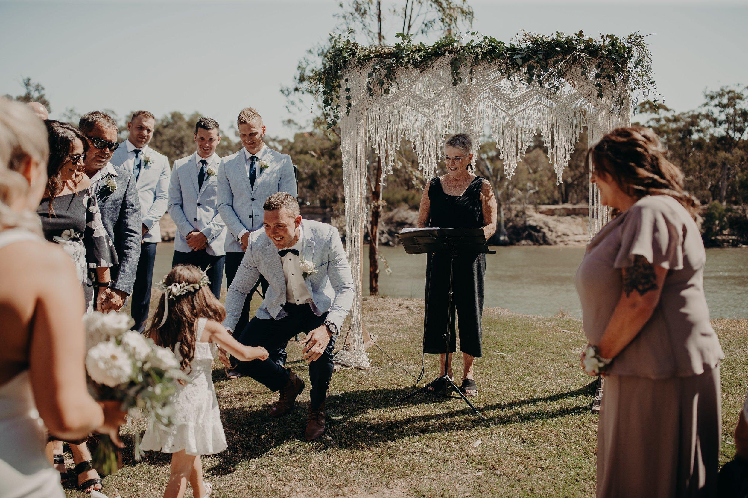mickalathomas_puremacphotography_weddingphotographer_couplephotographer_Sheppartonphotographer_2864.jpg