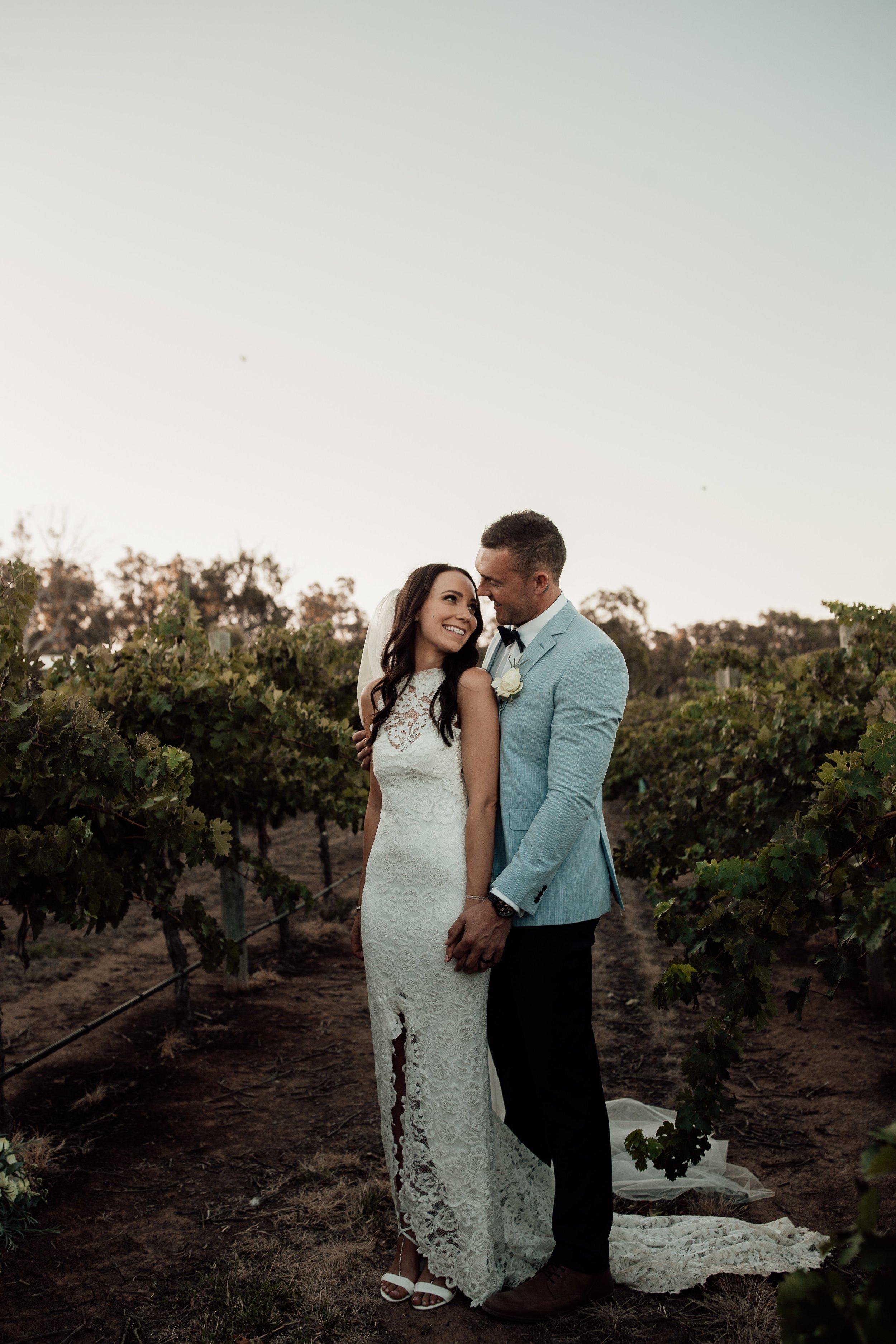 mickalathomas_puremacphotography_weddingphotographer_couplephotographer_Sheppartonphotographer_2915.jpg