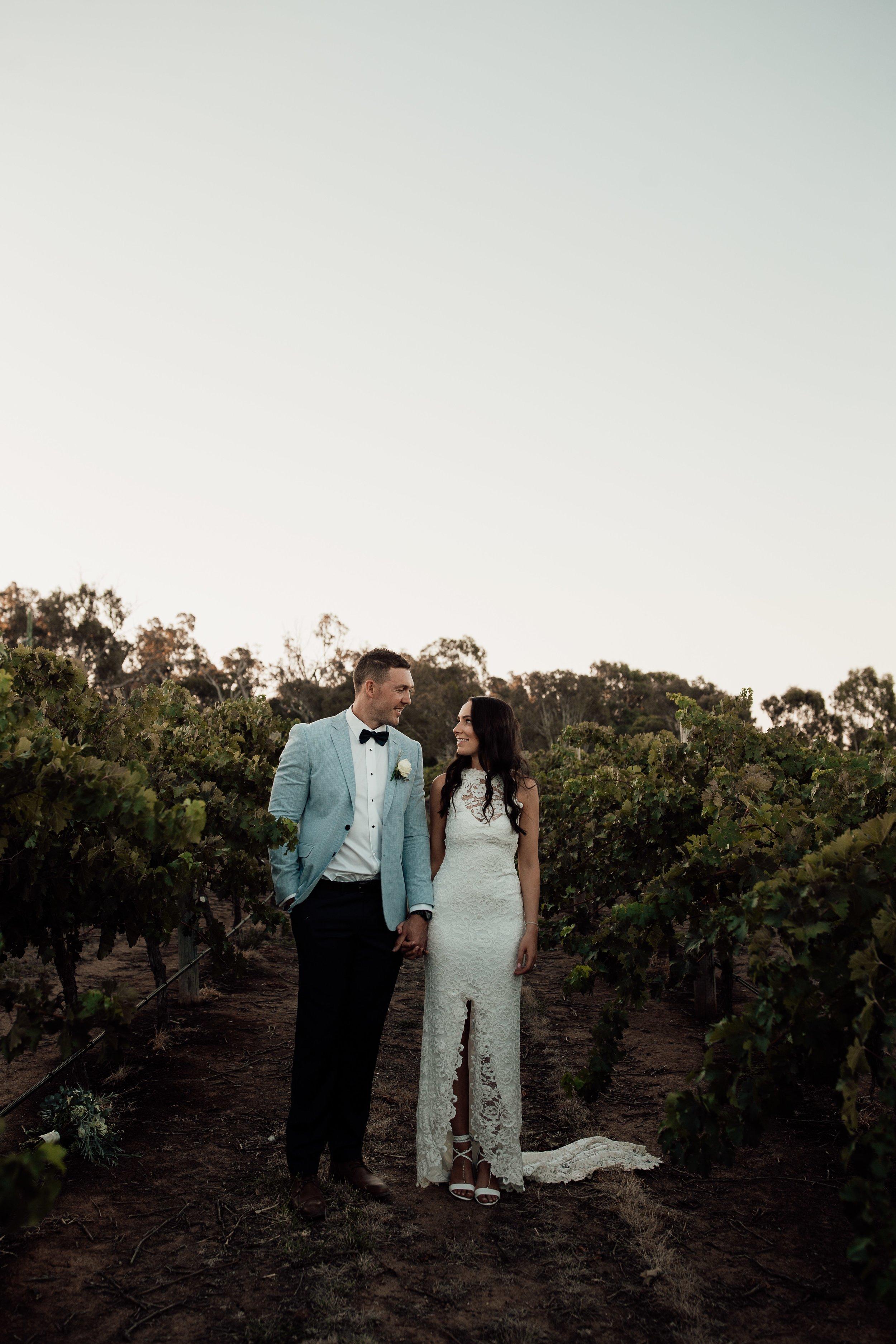 mickalathomas_puremacphotography_weddingphotographer_couplephotographer_Sheppartonphotographer_2920.jpg