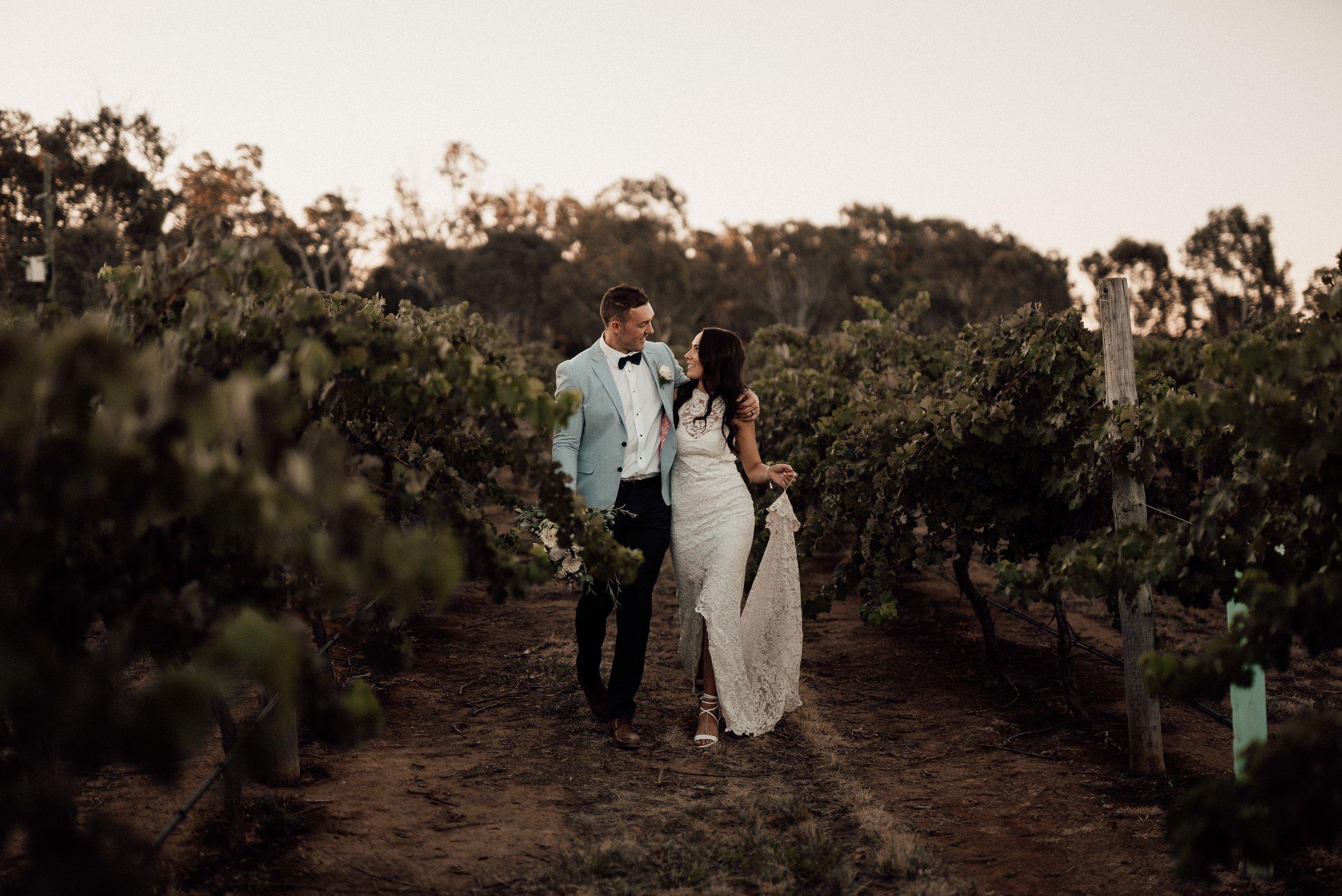 mickalathomas_puremacphotography_weddingphotographer_couplephotographer_Sheppartonphotographer_2922.jpg