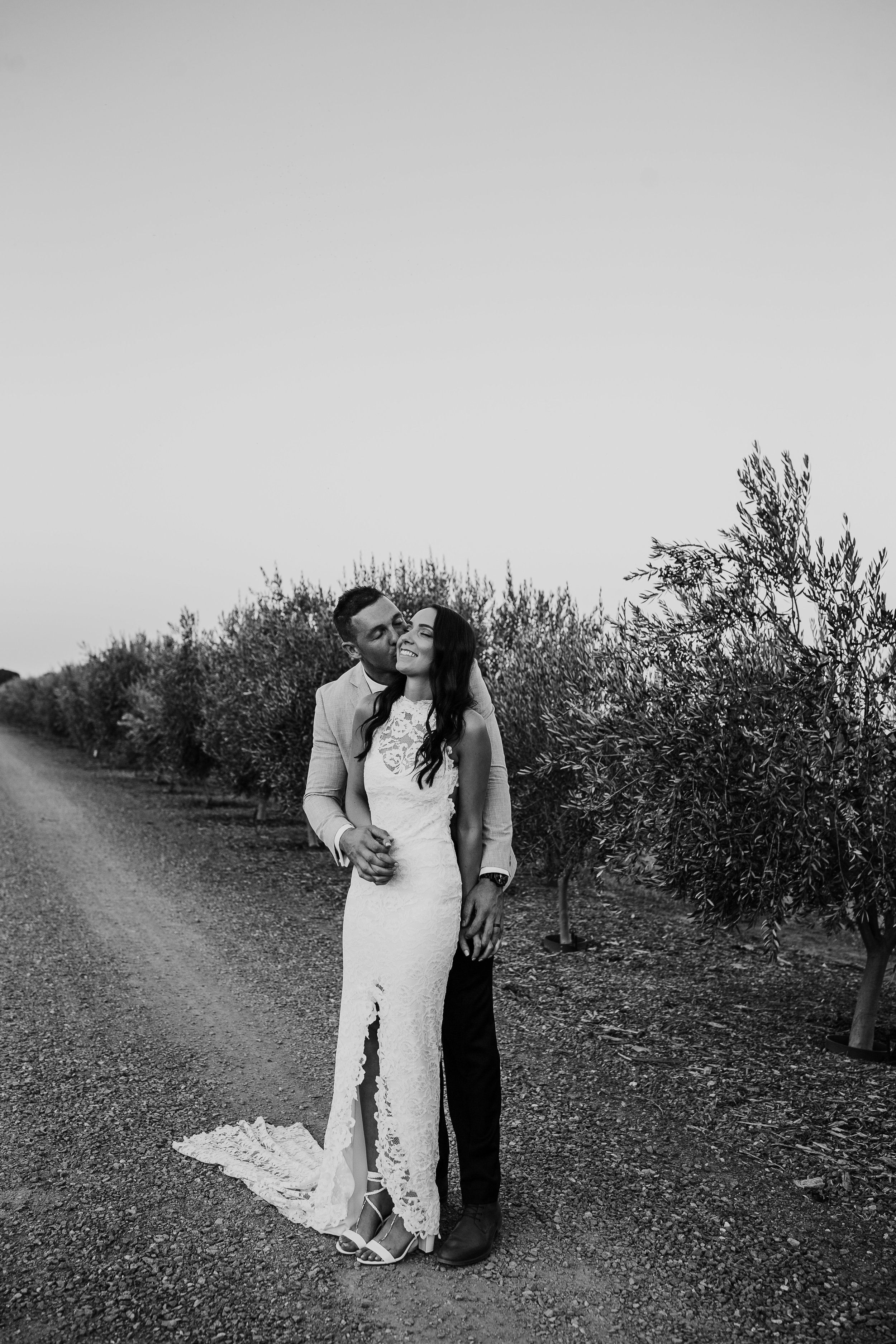 mickalathomas_puremacphotography_weddingphotographer_couplephotographer_Sheppartonphotographer_2932.jpg