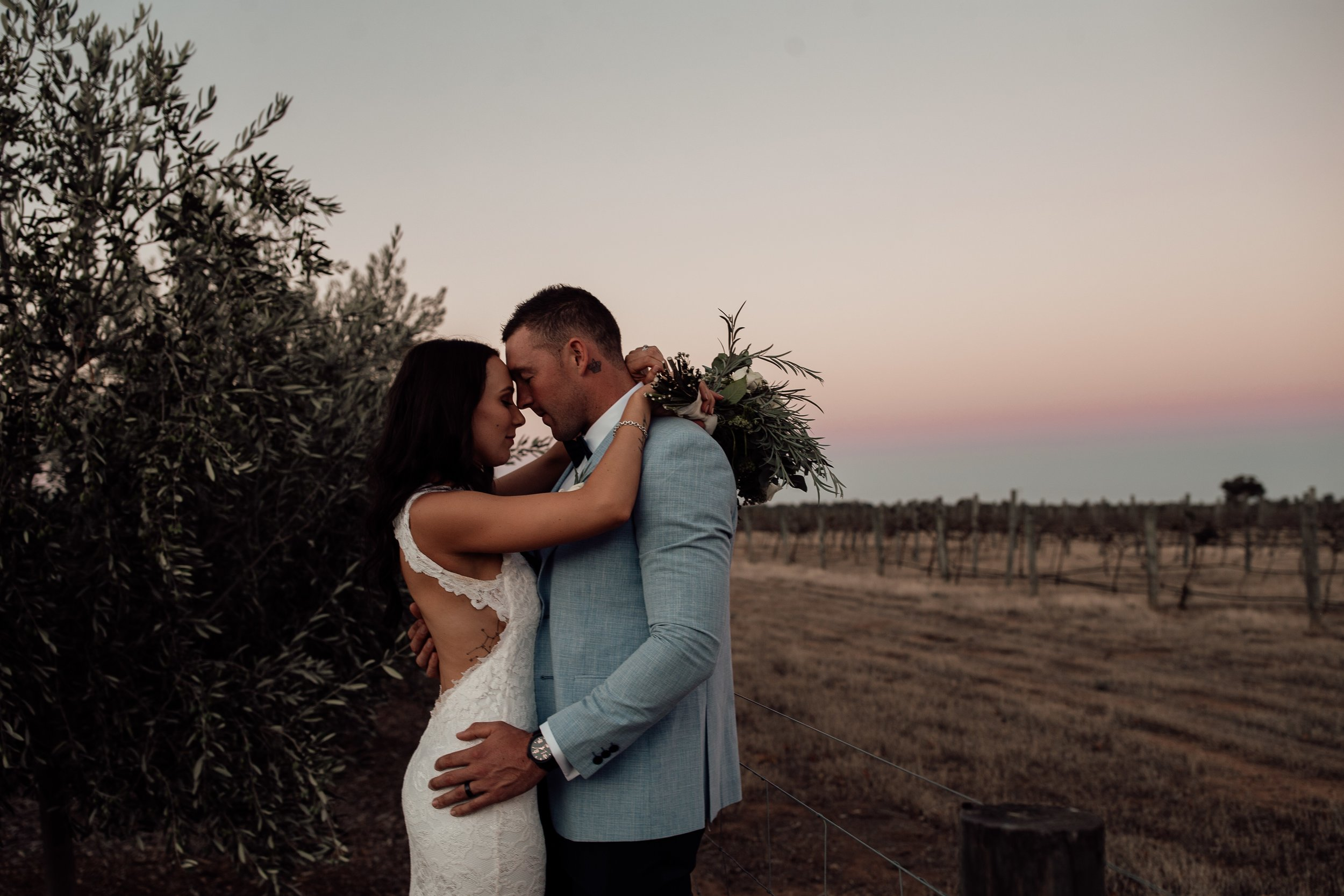 mickalathomas_puremacphotography_weddingphotographer_couplephotographer_Sheppartonphotographer_2933.jpg