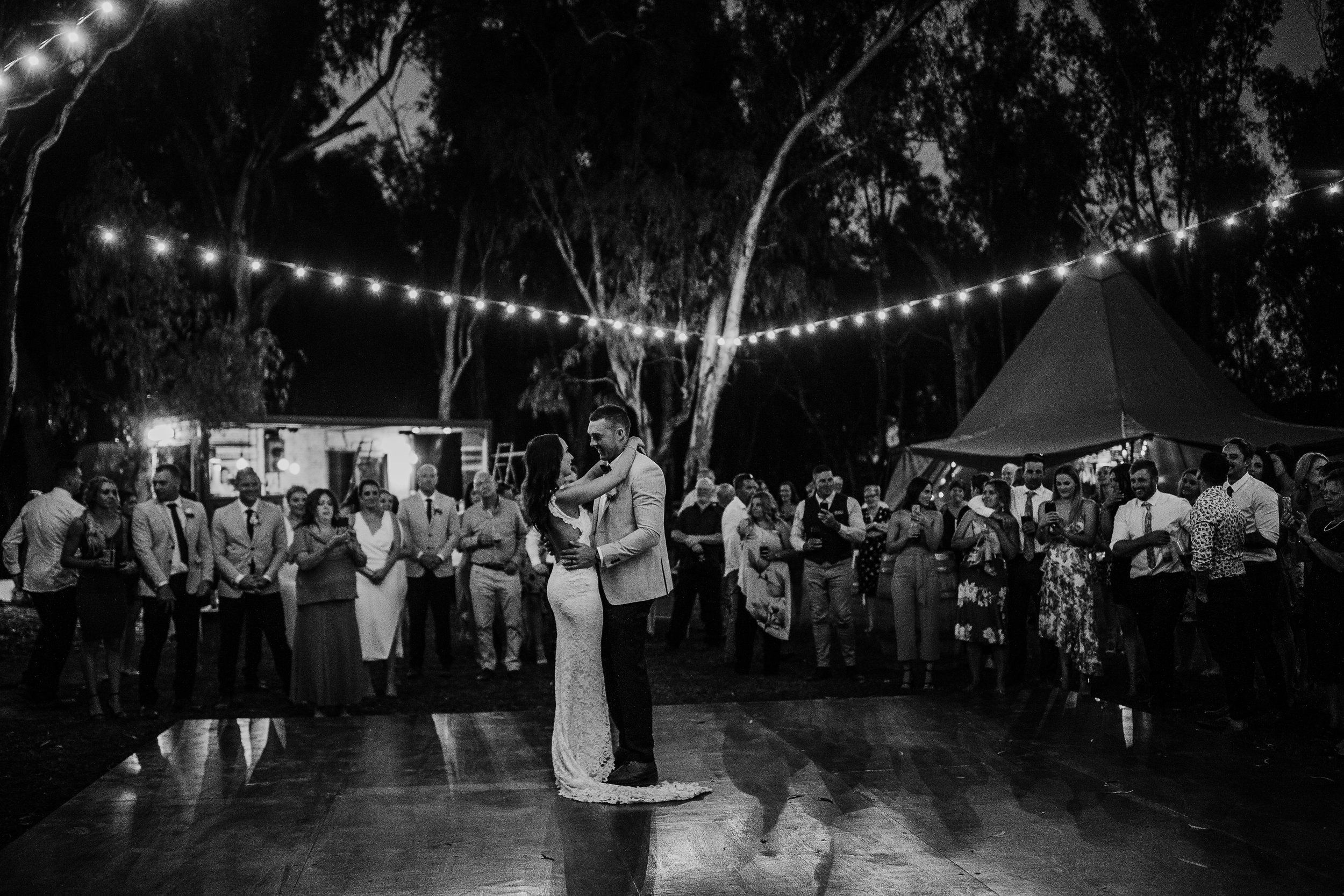 mickalathomas_puremacphotography_weddingphotographer_couplephotographer_Sheppartonphotographer_2949.jpg
