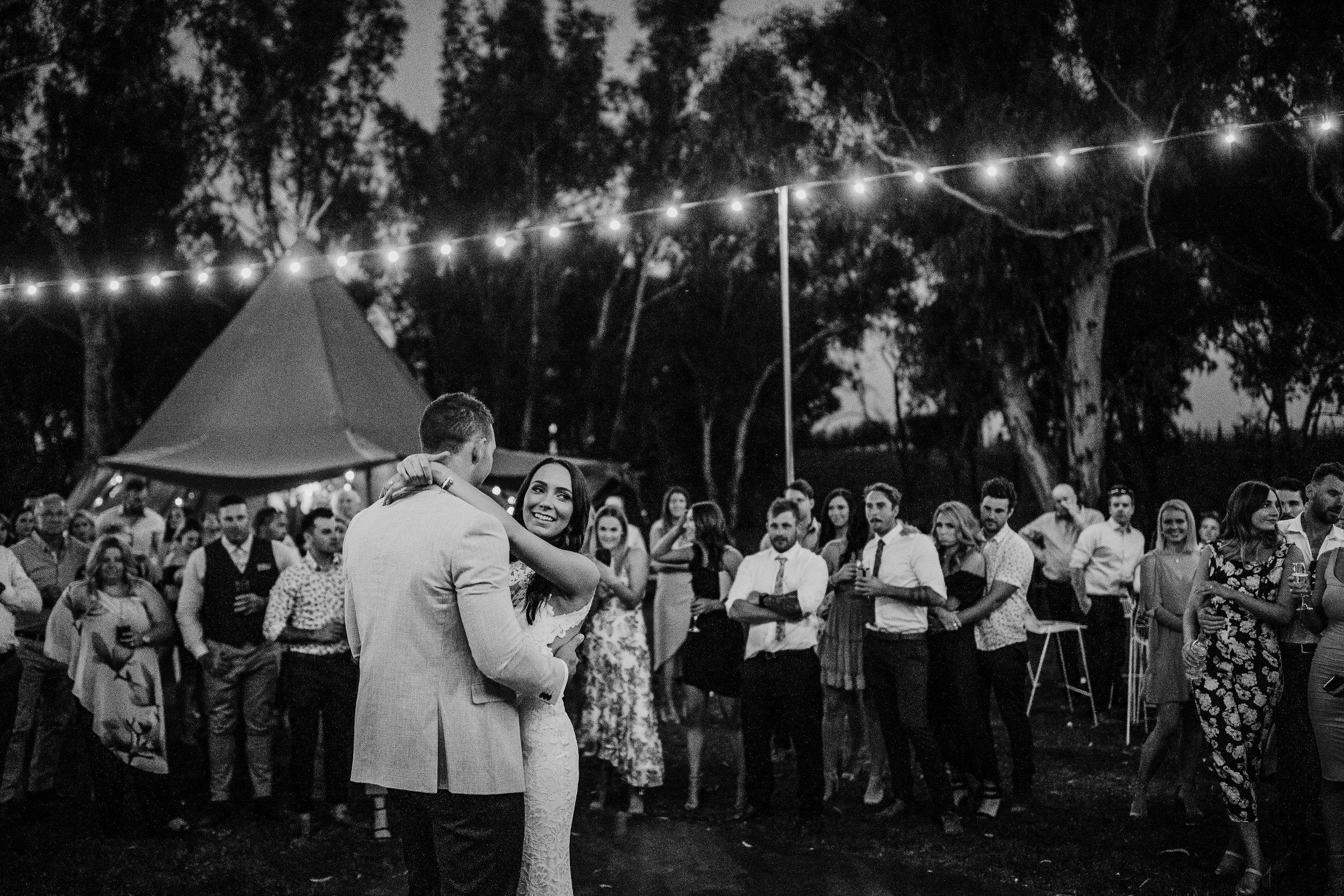mickalathomas_puremacphotography_weddingphotographer_couplephotographer_Sheppartonphotographer_2951.jpg