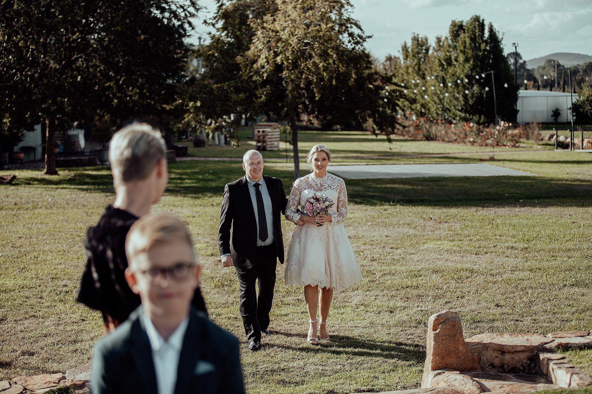 mickalathomas_puremacphotography_weddingphotographer_couplephotographer_Sheppartonphotographer_3423.jpg