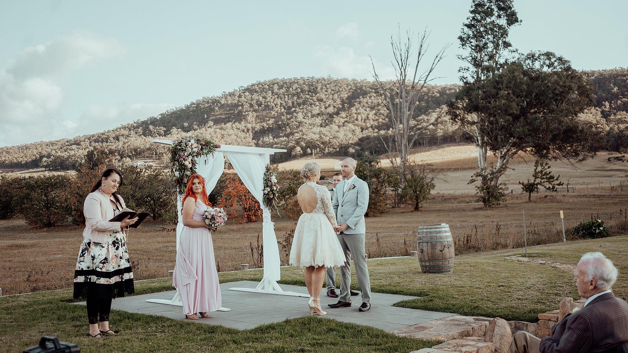 mickalathomas_puremacphotography_weddingphotographer_couplephotographer_Sheppartonphotographer_3431.jpg